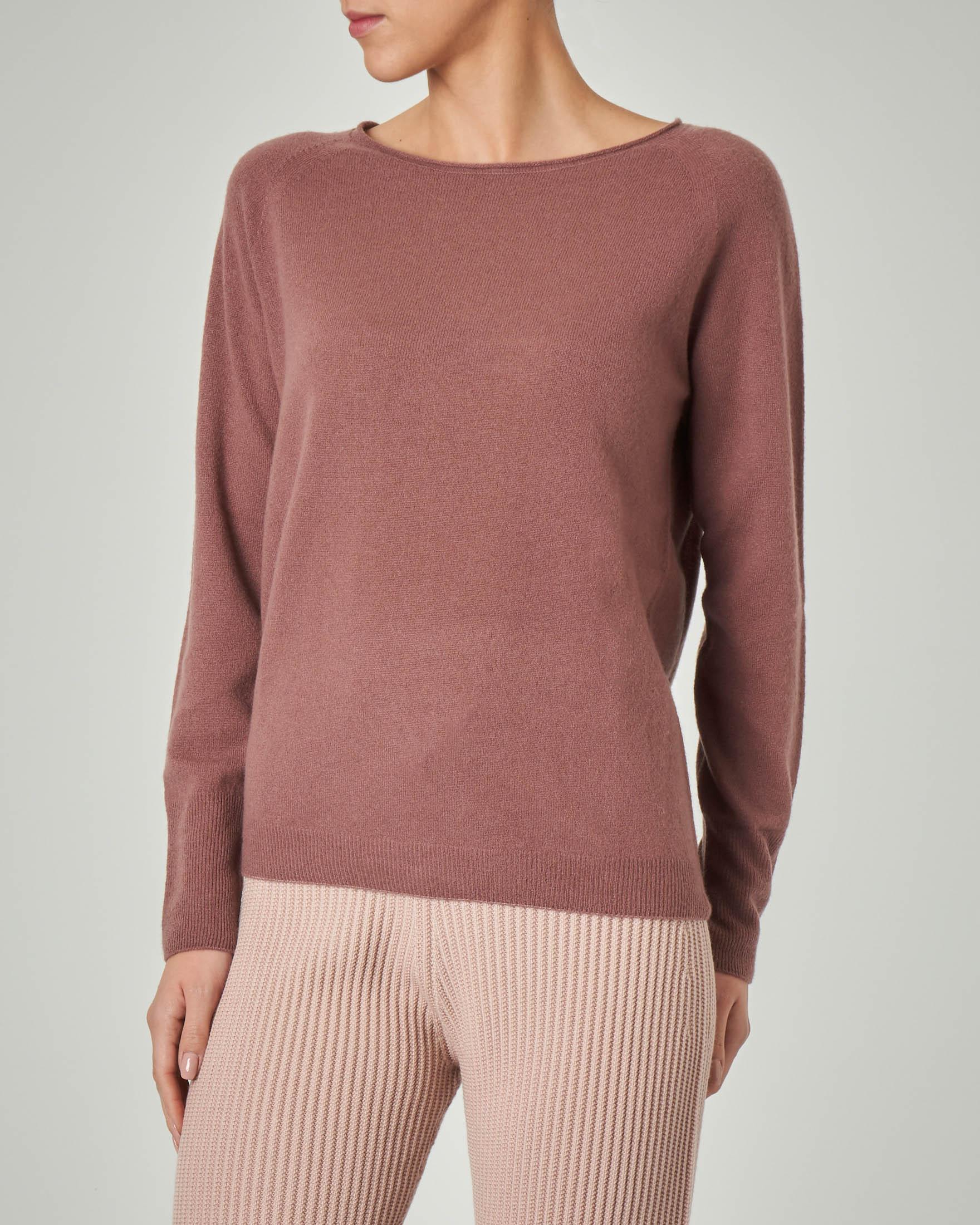 Maglia rasata in lana e cashmere color malva senza cuciture