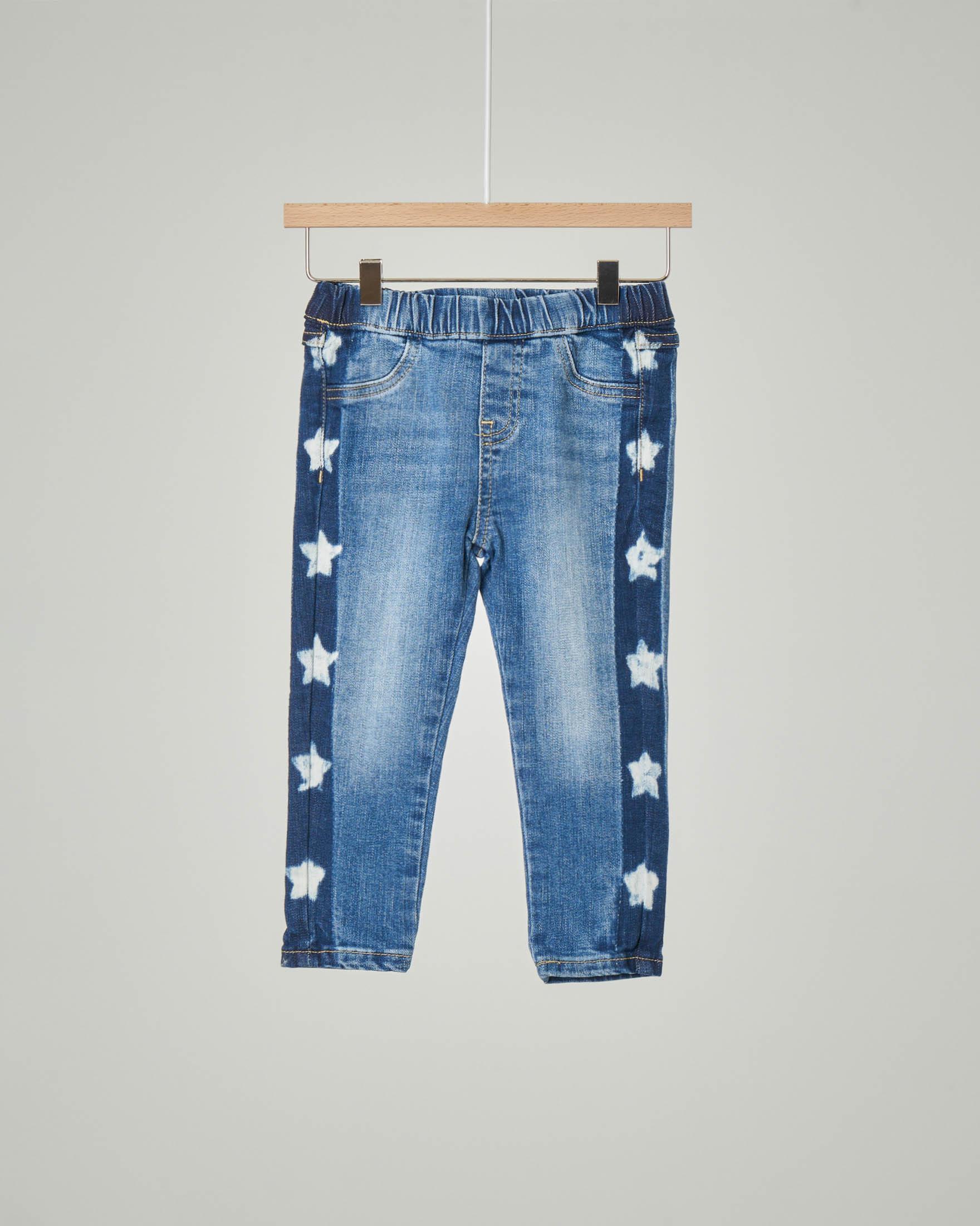 Jeans blu con elastico in vita e fasce laterali con stampa stelle 9-24 mesi