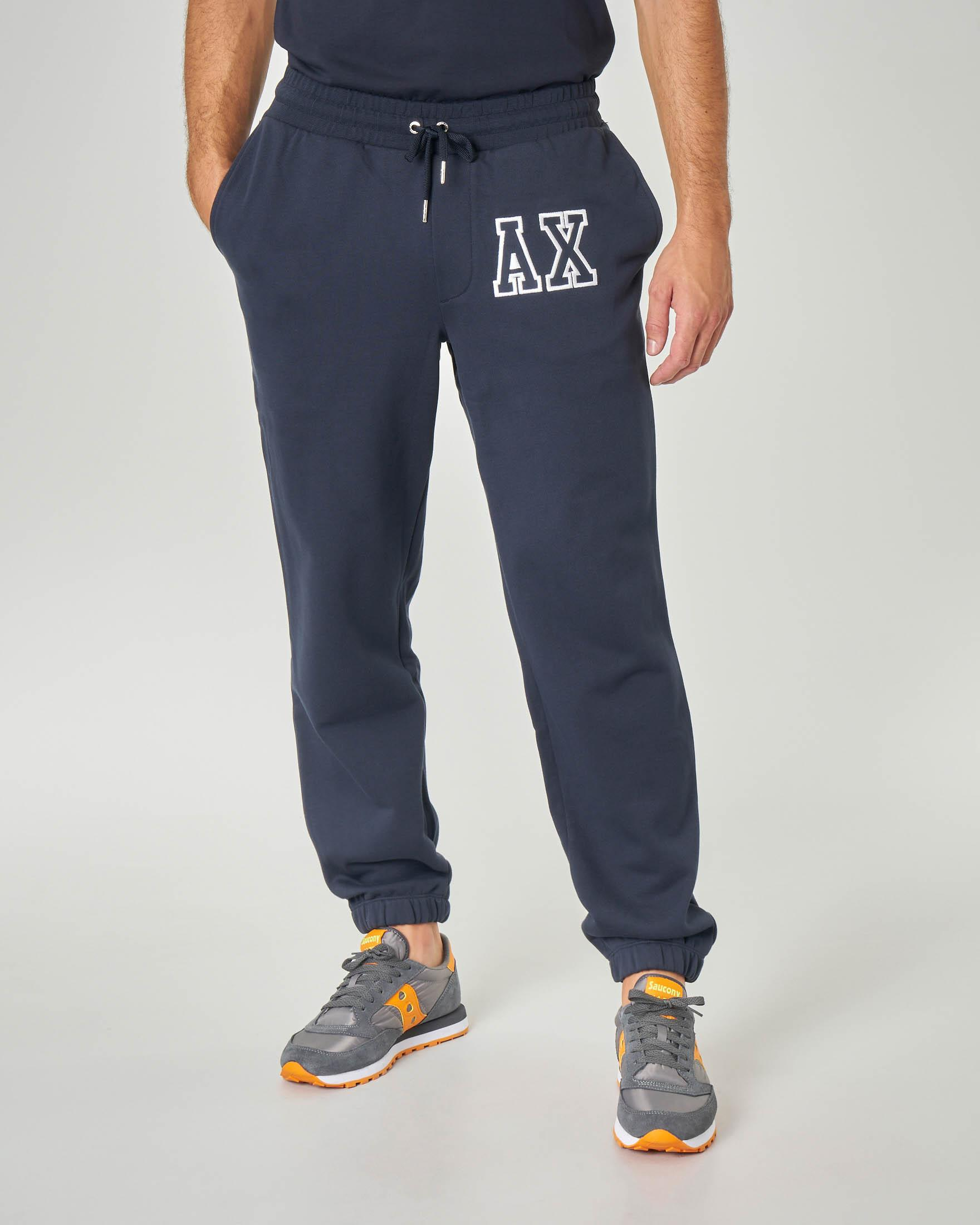 Pantalone blu in felpa con logo patch AX