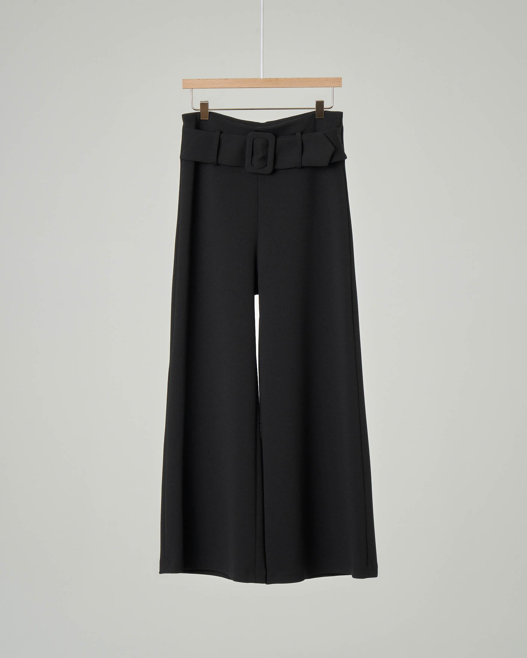 Pantaloni palazzo neri con cintura in vita tono su tono con fibbia quadrata 40-46