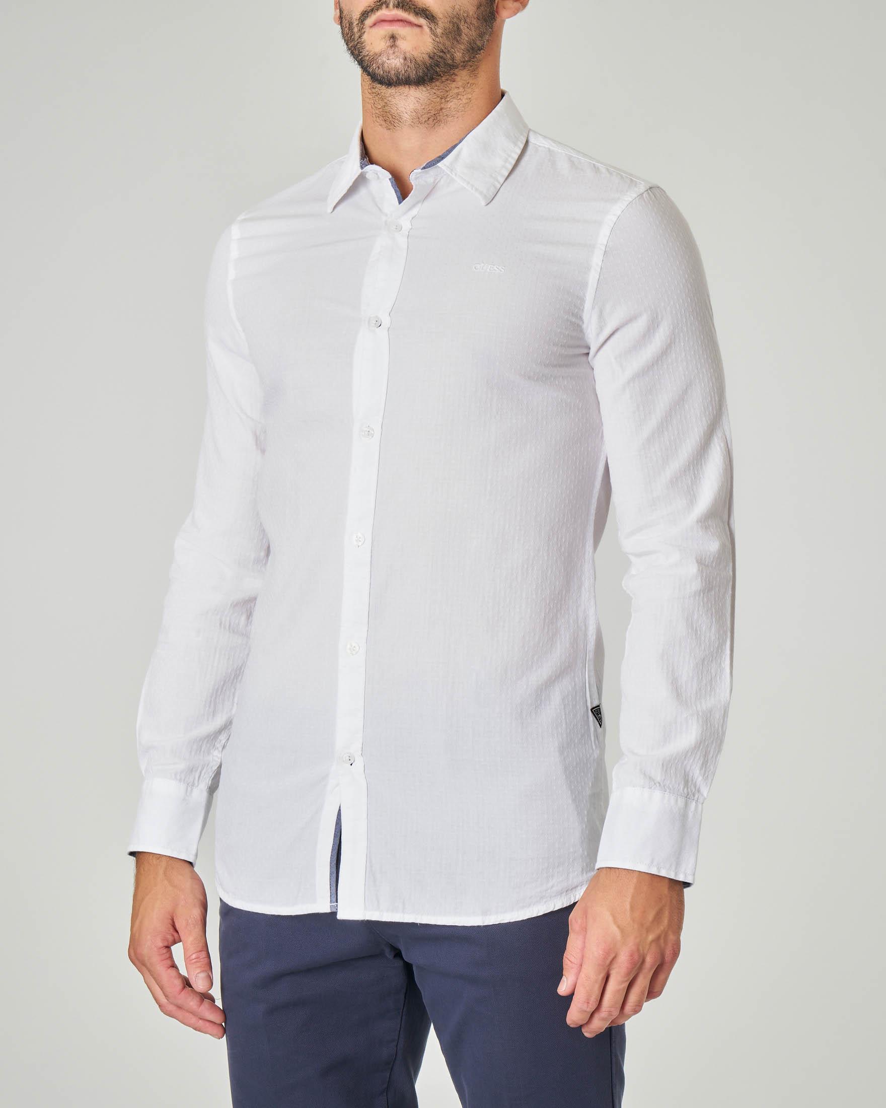 Camicia bianca in cotone con micro-rombetto jacquard