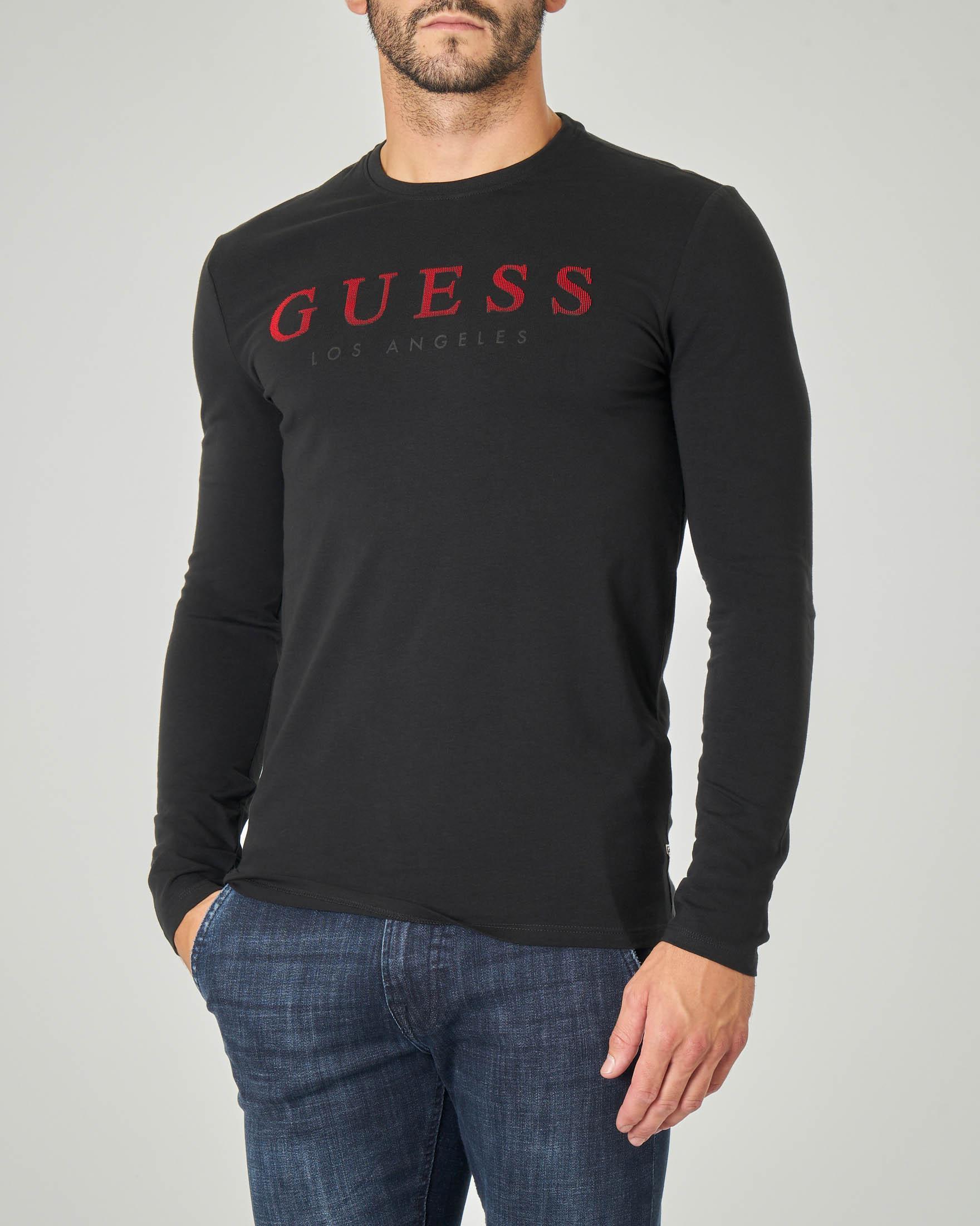 T-shirt nera manica lunga con logo rosso ricamato