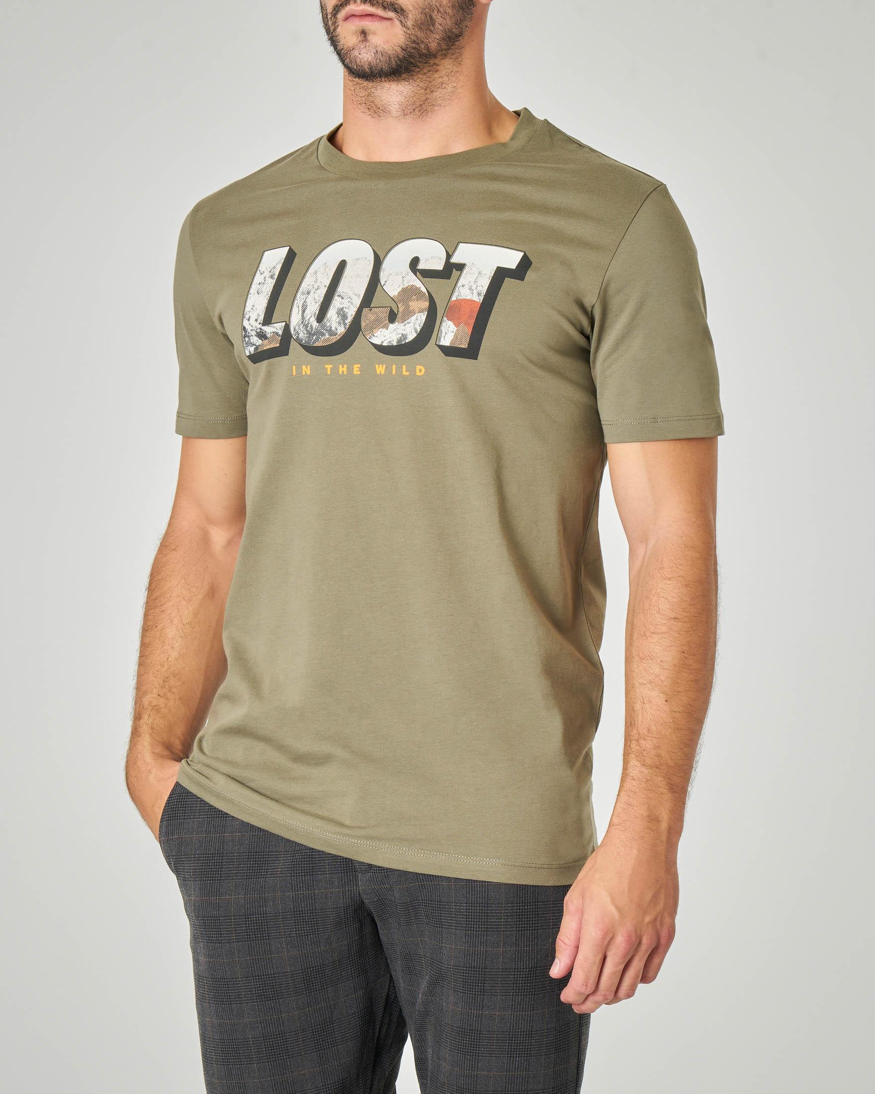 T-shirt verde militare mezza manica con stampa scritta grafica
