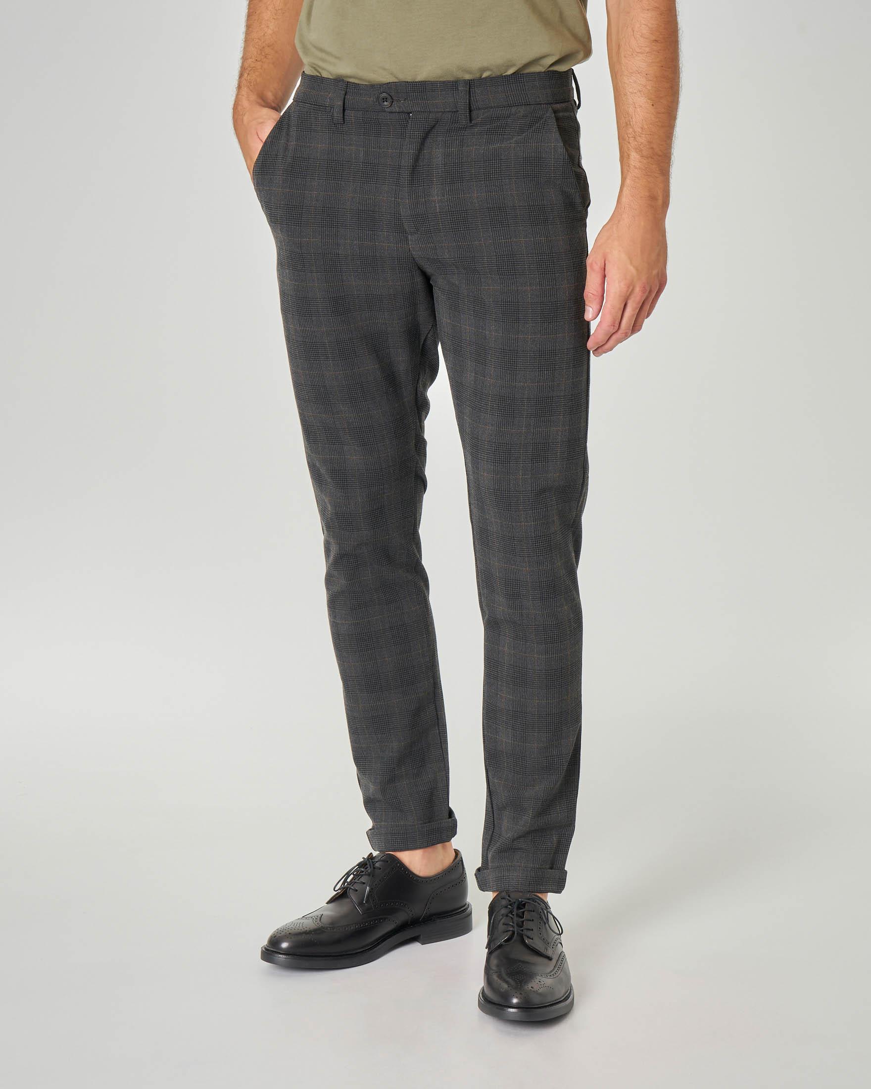 Pantalone chino grigio scuro a quadri