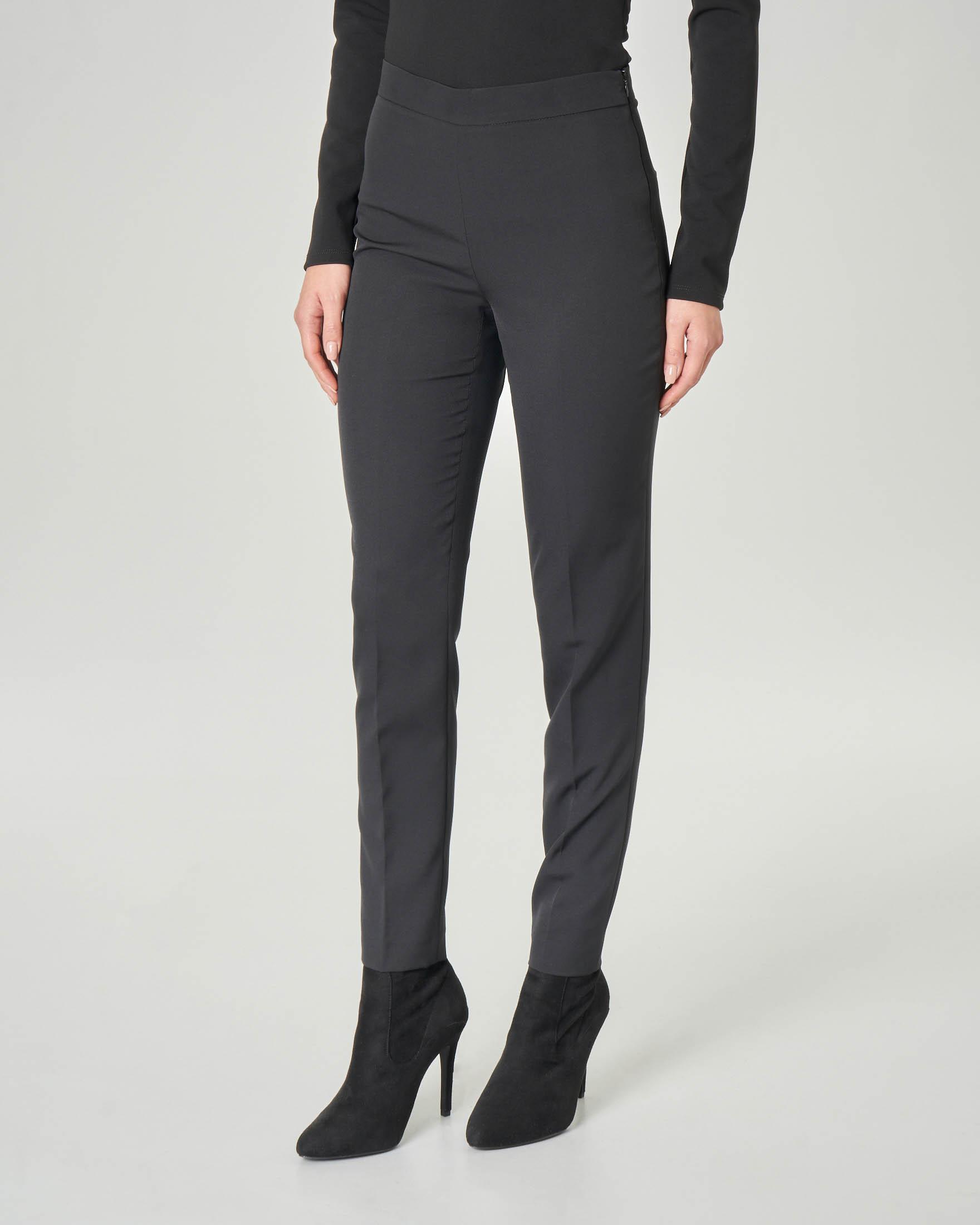Pantaloni dritti neri in tessuto tecnico