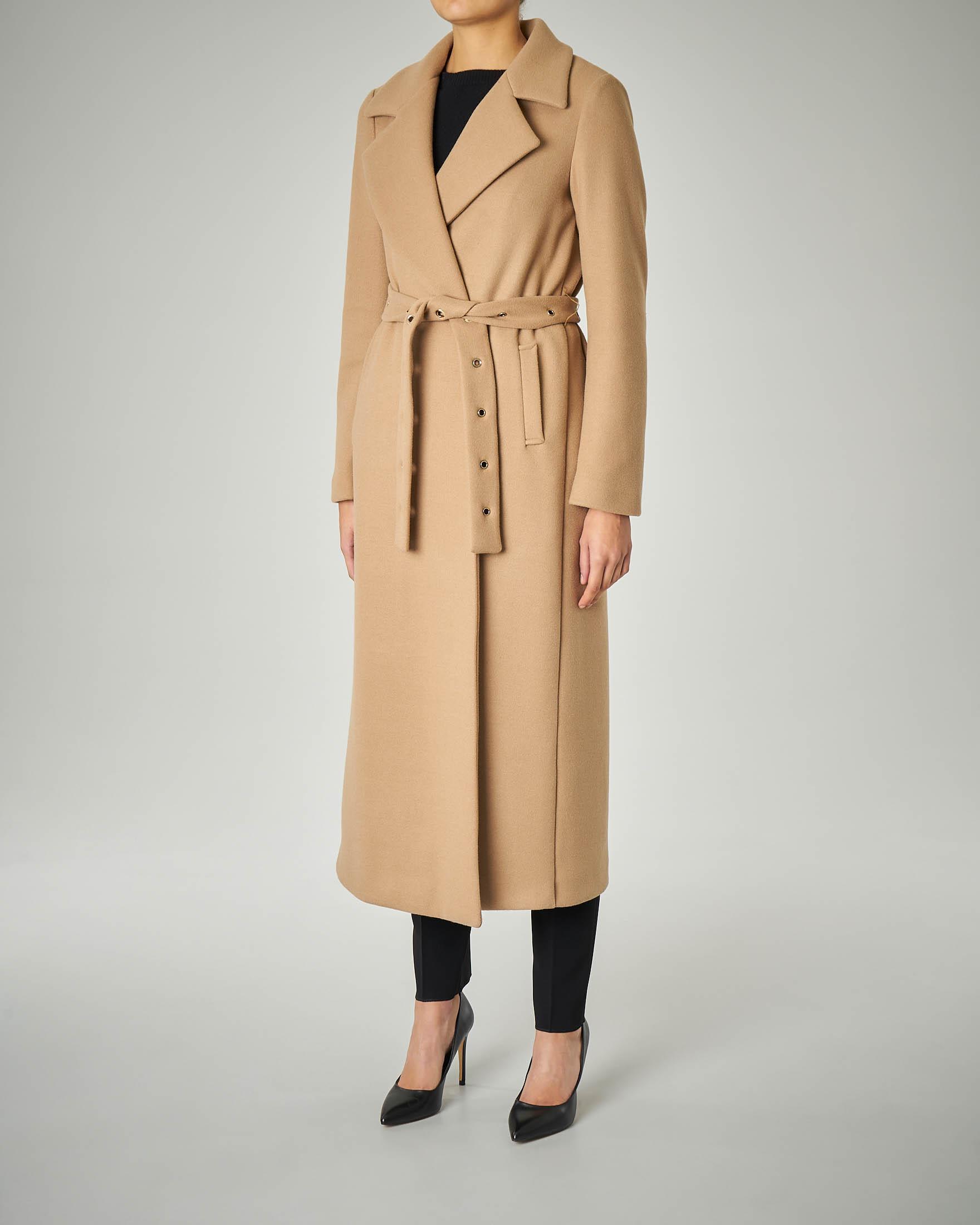 Cappotto cammello lungo a vestaglia con rever
