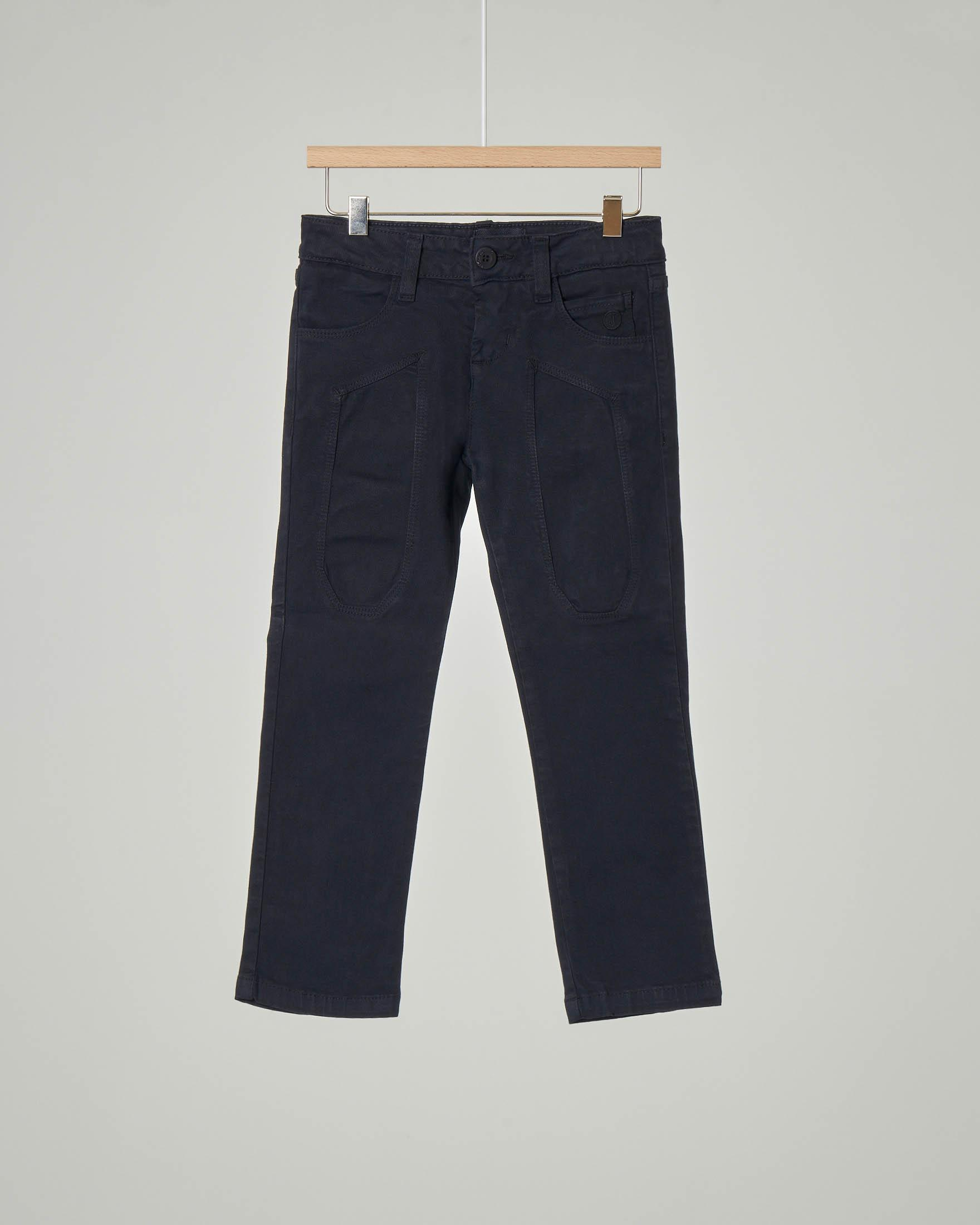 Pantalone blu cinque tasche in gabardina stretch con toppa 3-7 anni