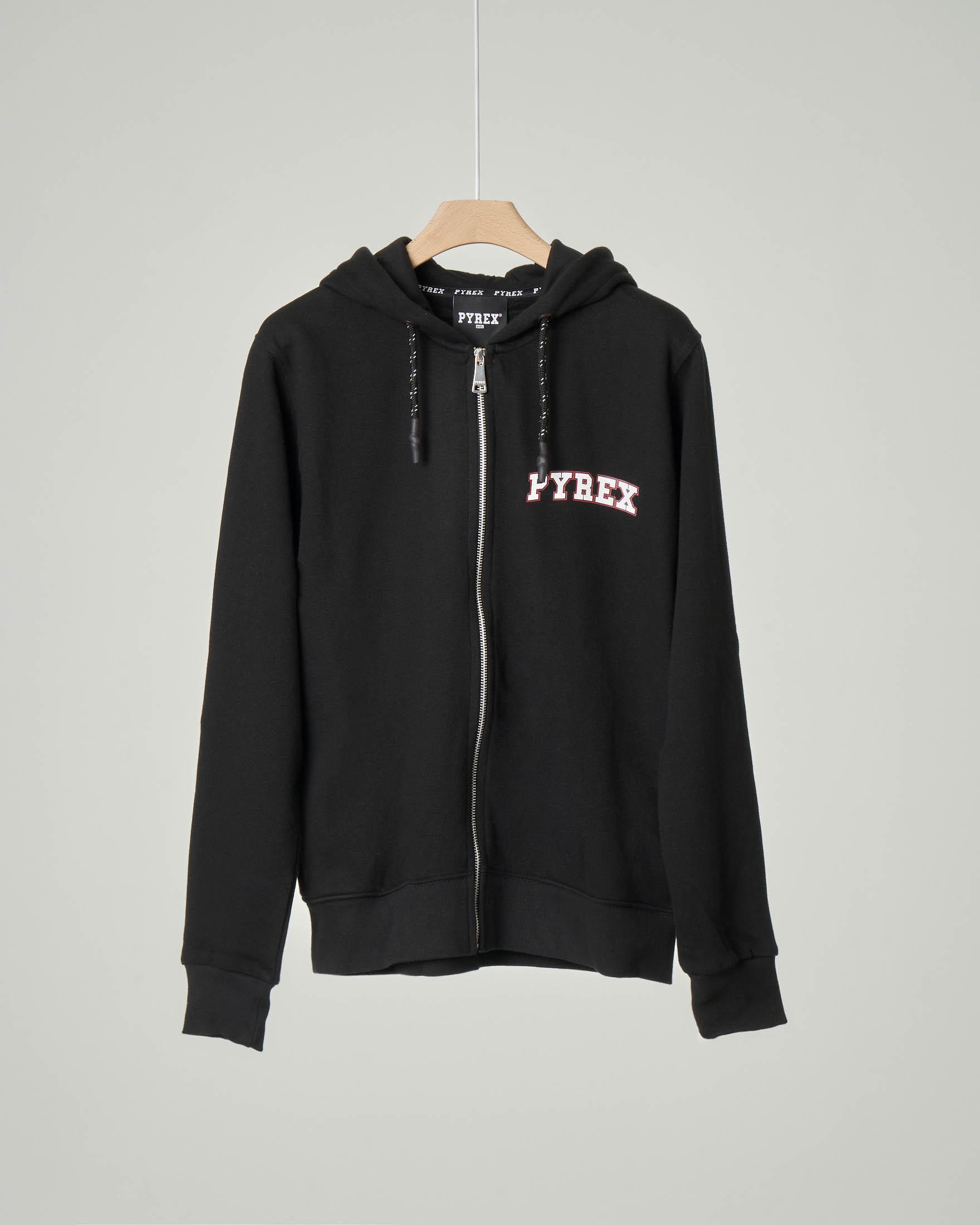 Felpa nera con cappuccio e chiusura zip con doppio logo su fronte e retro XS-2XL