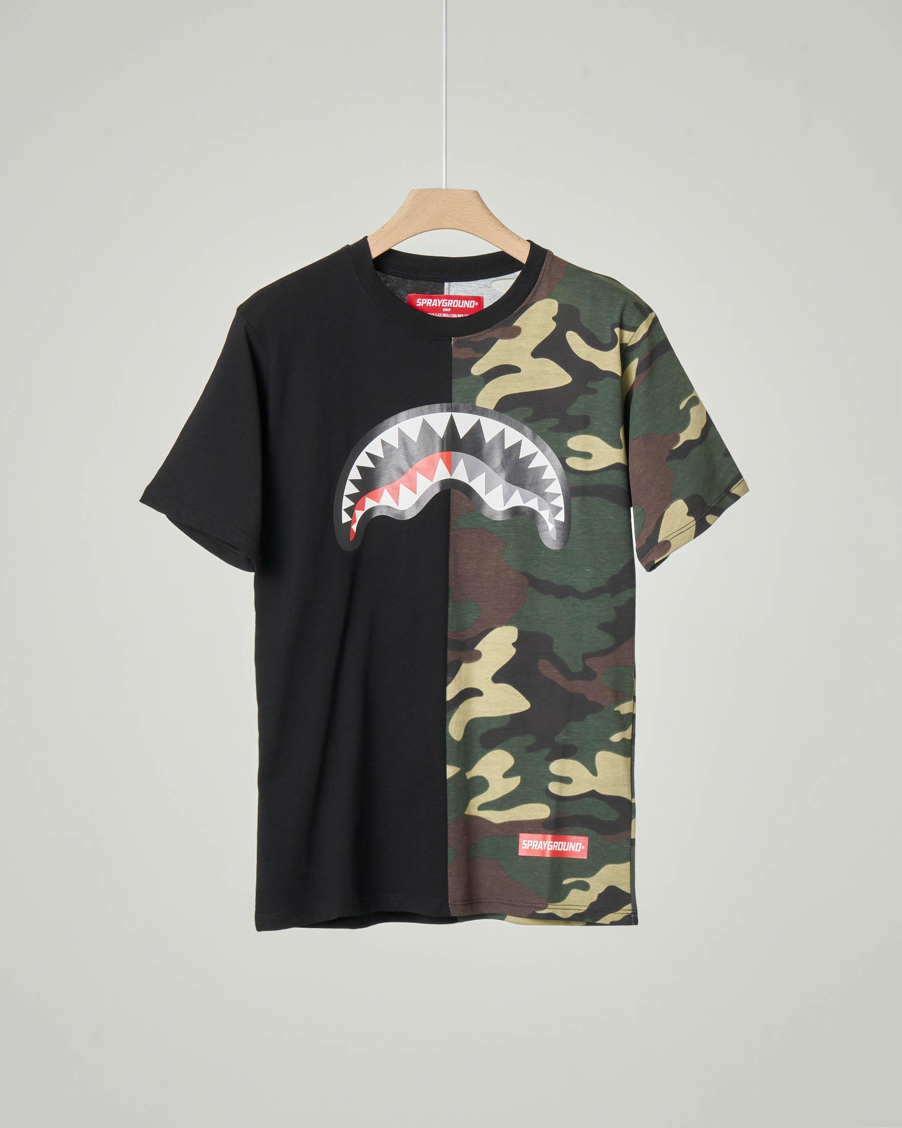 T-shirt camouflage e nera con grafica bocca monster e logo 10-14 anni