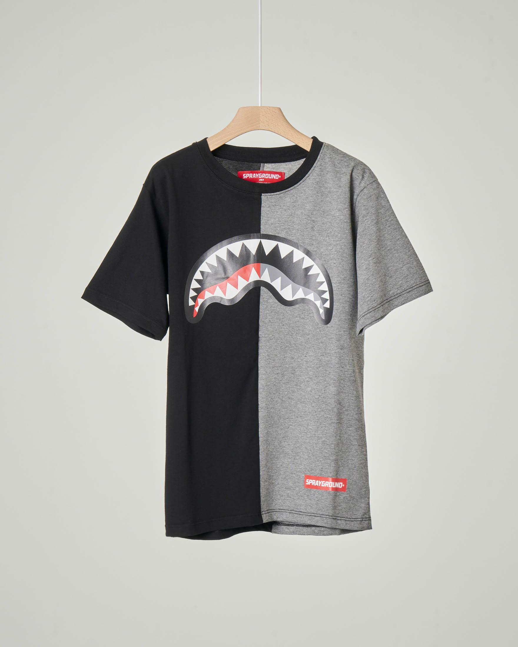 T-shirt grigia e nera con grafica bocca monster e logo 10-14 anni