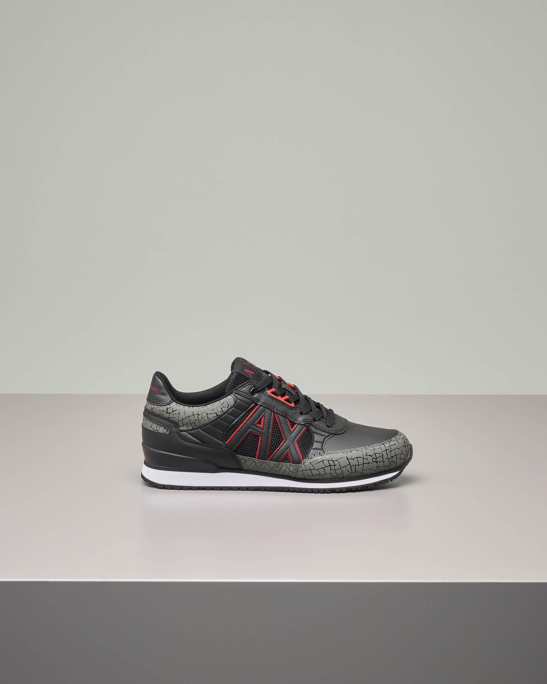 Sneakers grigia e nera in ecopelle e mesh con logo AX rosso e nero