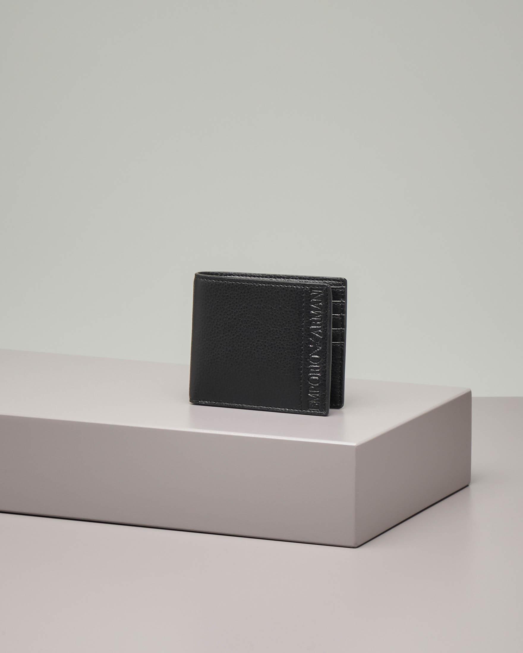 Portafoglio nero in pelle martellata con logo impresso