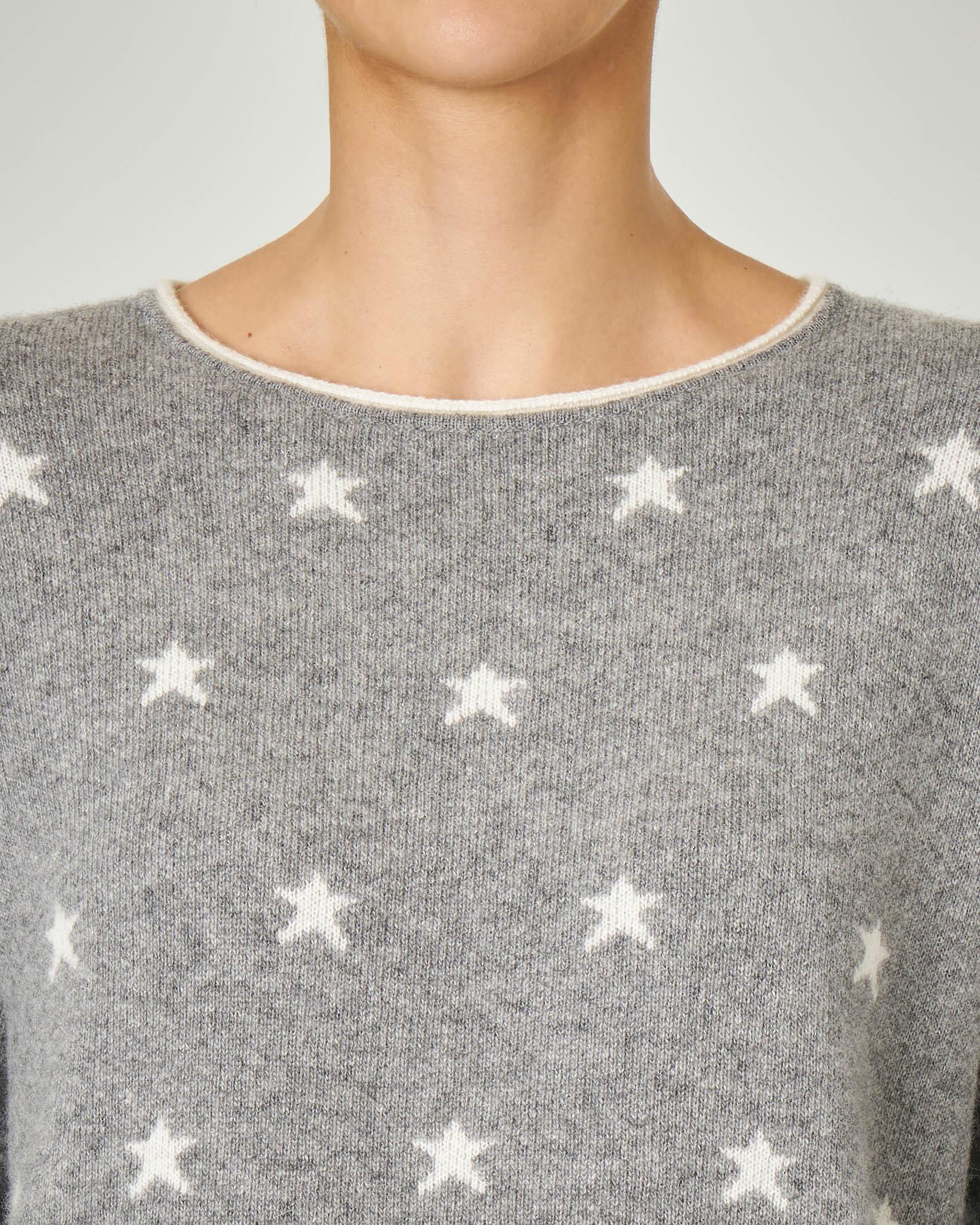 Maglia in misto lana e cashmere grigia a fantasia a stelle jacquard