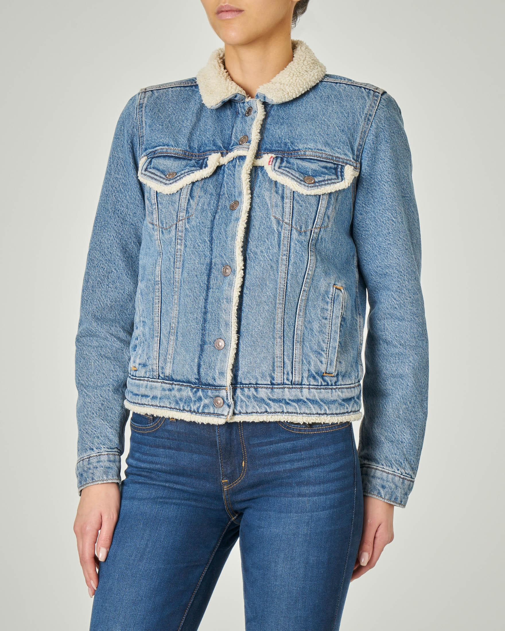 Giacca Sherpa Trucker in jeans con interno e profili in eco pelliccia