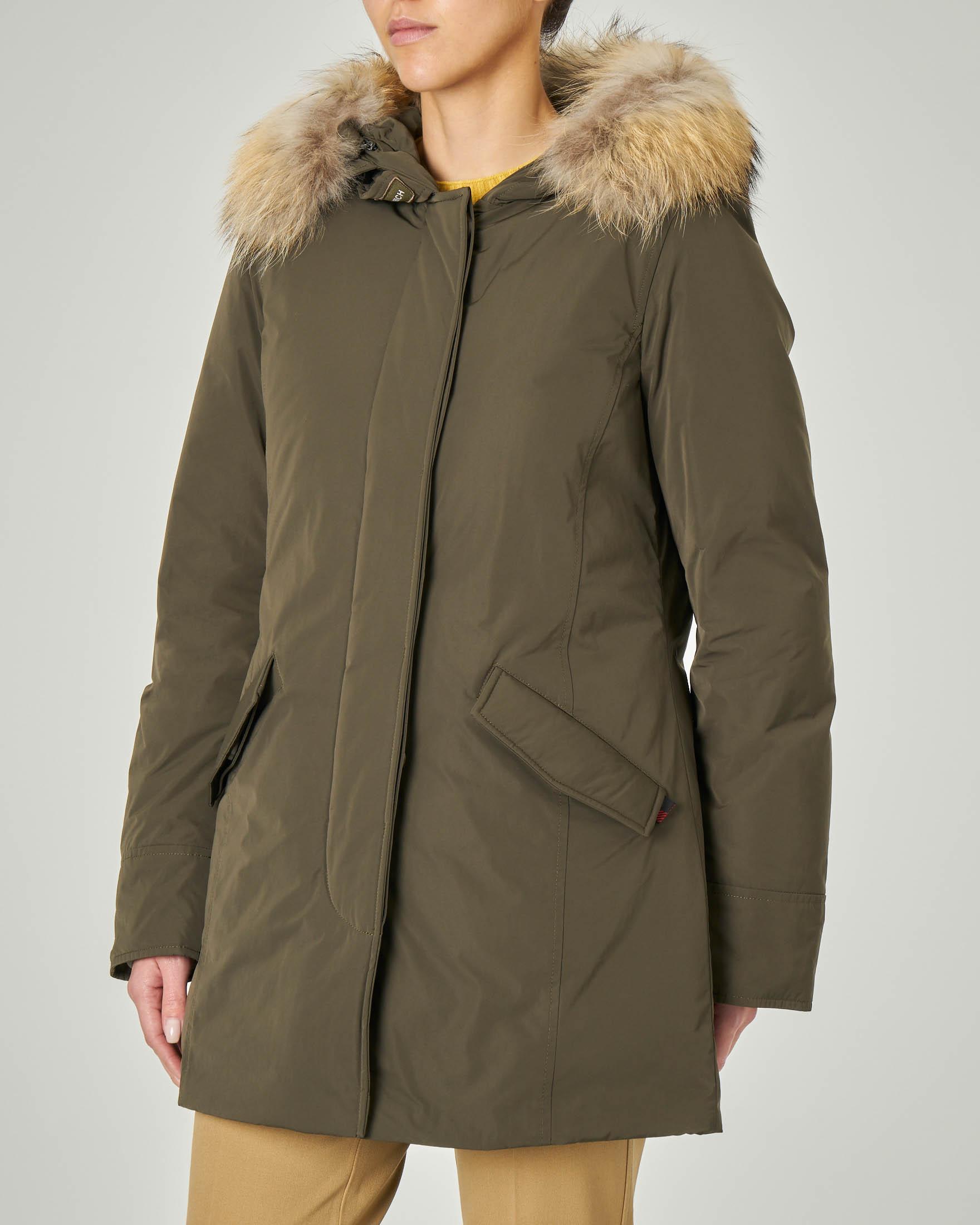W'S Luxury Arctic Parka verde militare con cappuccio con bordatura in pelliccia staccabile