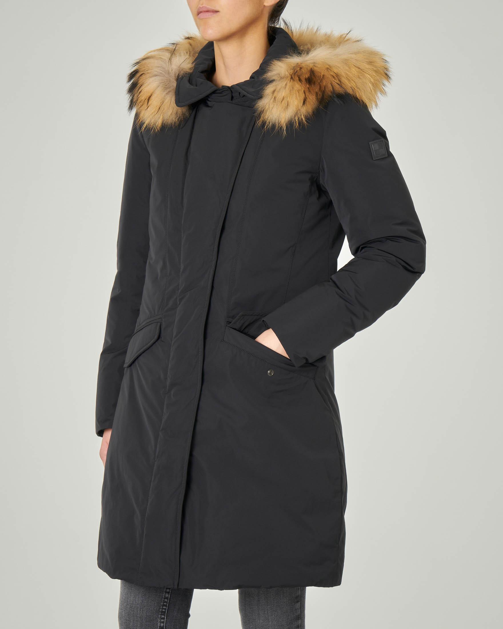 W'S Modern Vail Coat nero con cappuccio removibile con bordatura in pelliccia