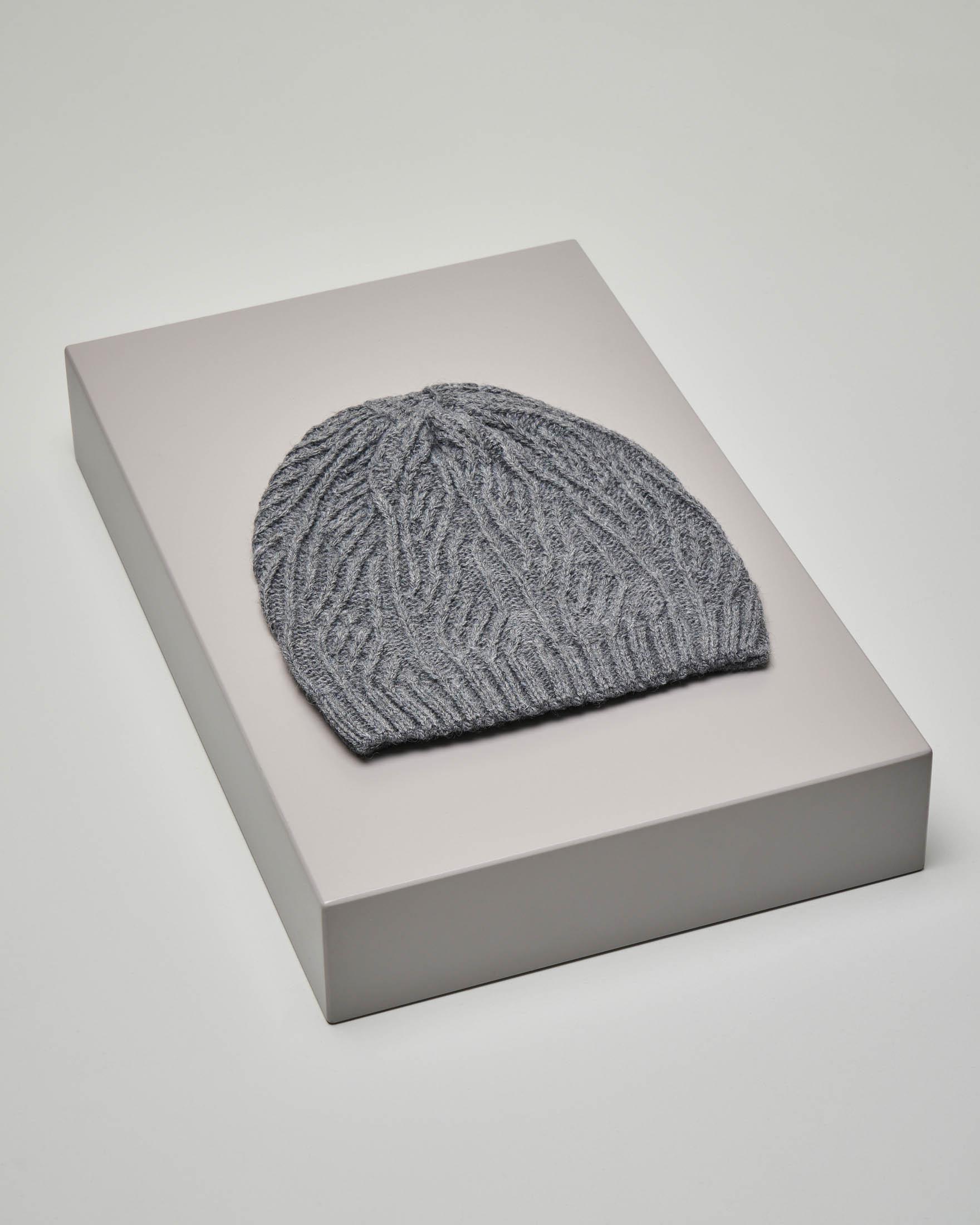 Cuffia grigio melange in misto lana lavorazione a trecce
