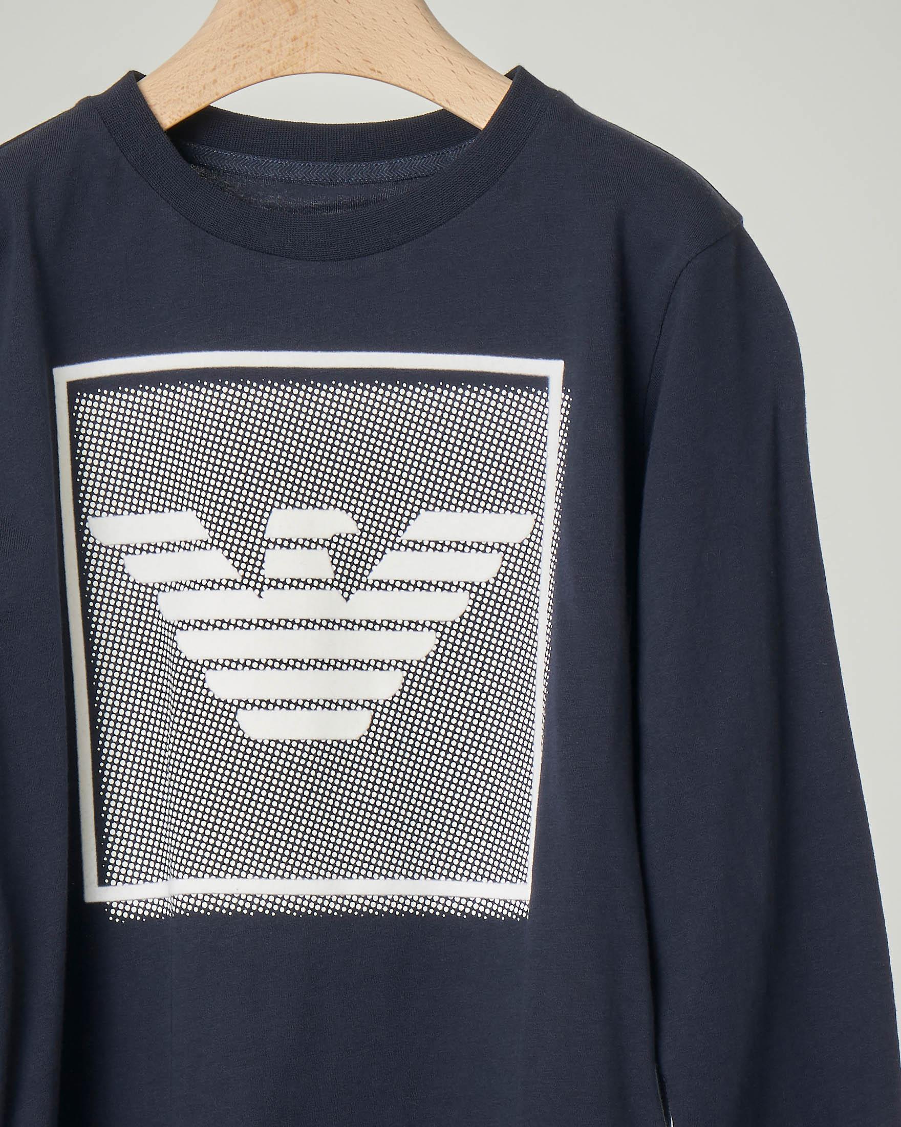 T-shirt blu manica lunga in cotone con riquadro grafico del logo 4-8 anni