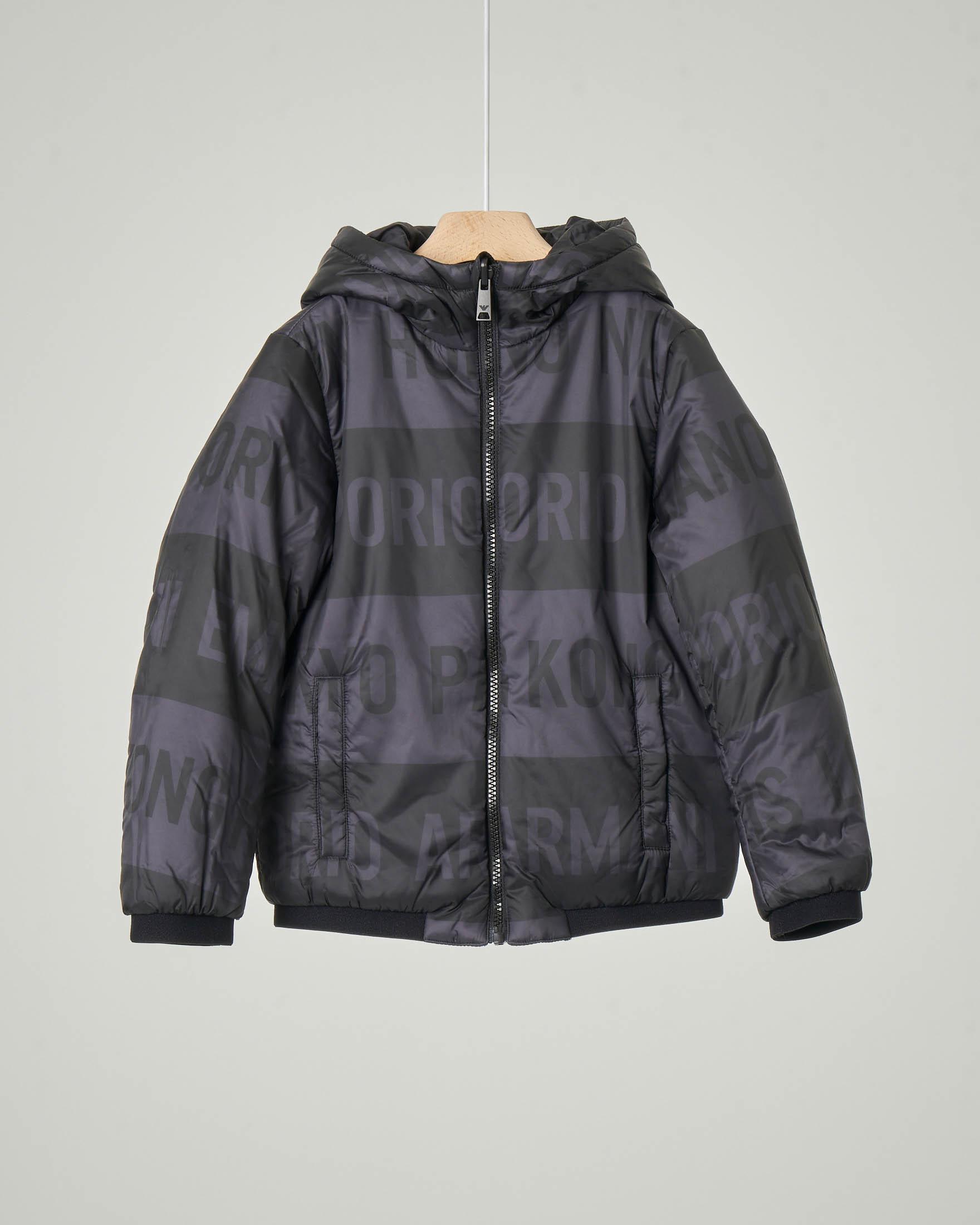 Giacca nera in nylon con stampa logo all-over reversibile in tinta unita 4-8 anni