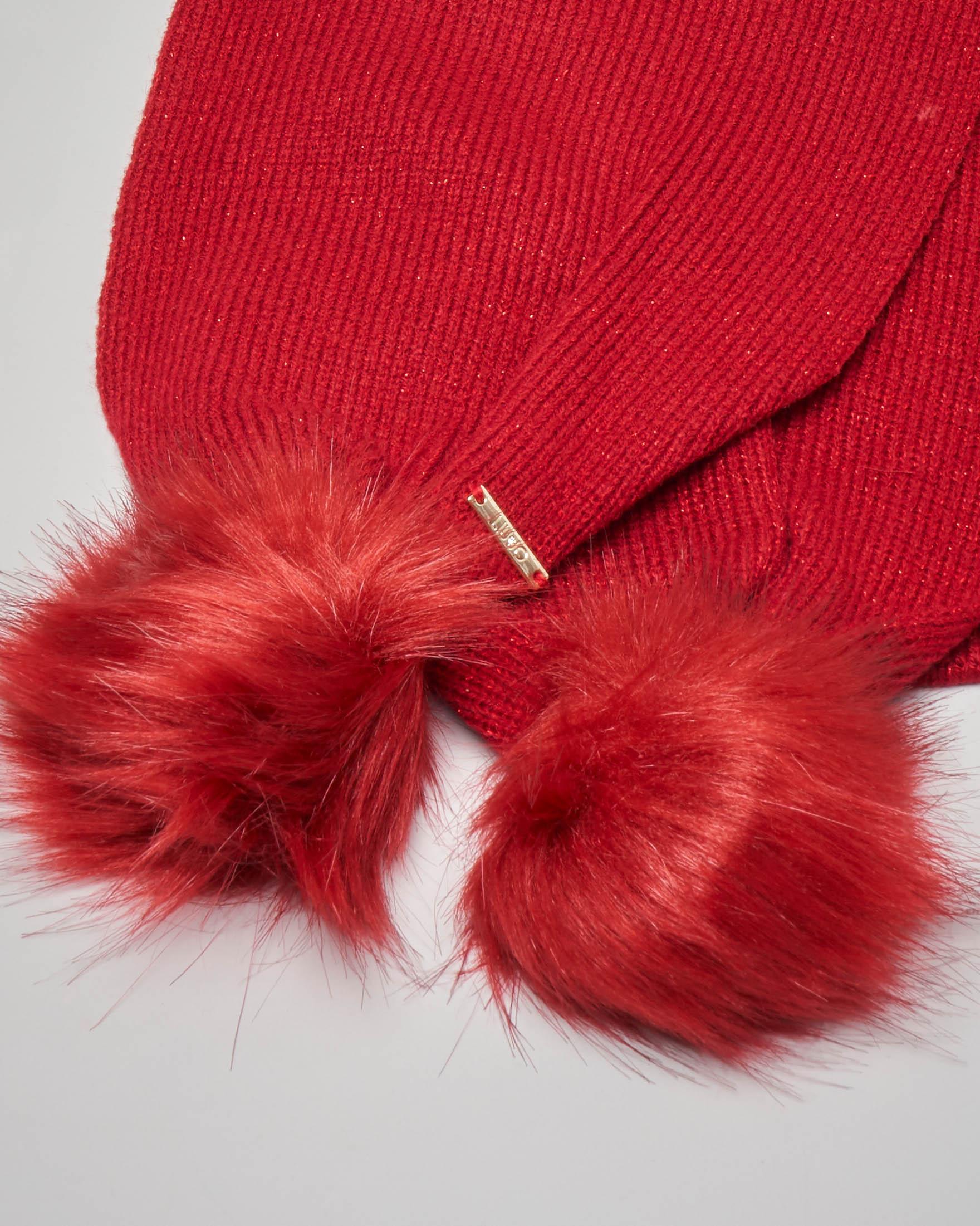 Sciarpa rossa con pompon