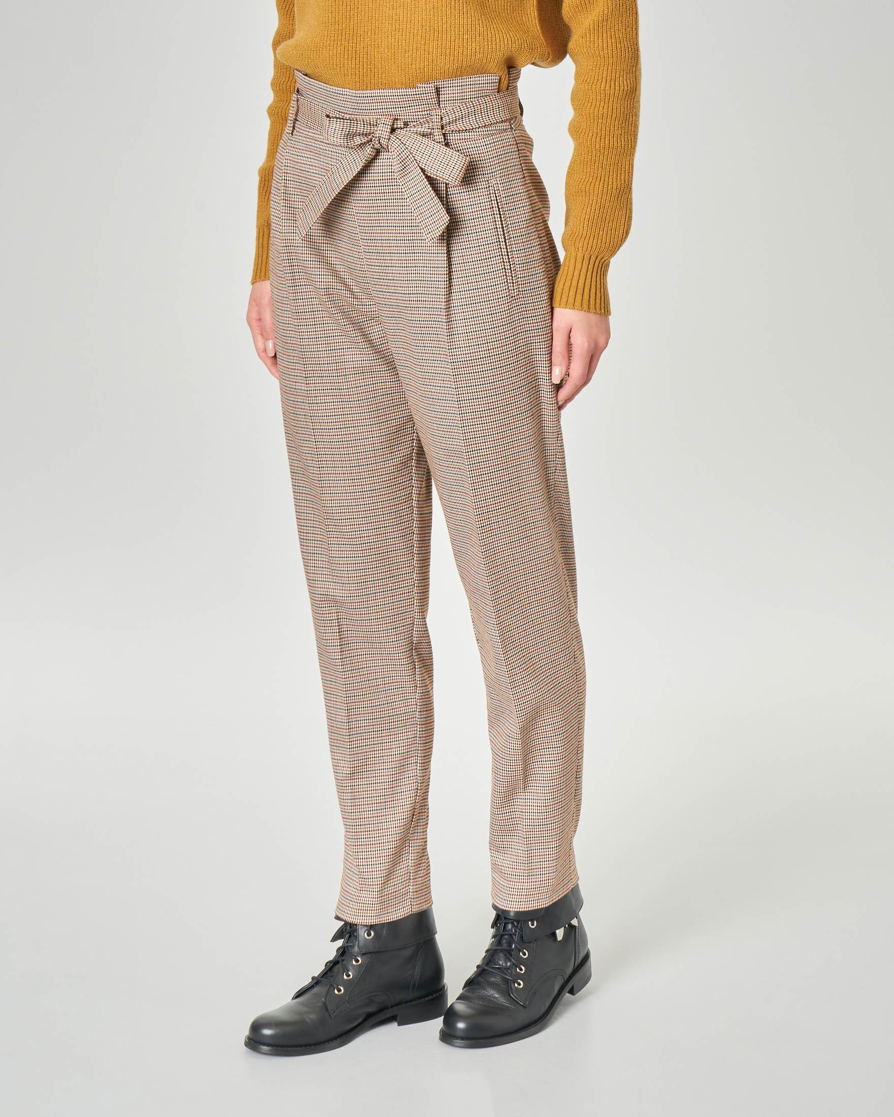 Pantalone in misto viscosa fantasia pied de poule marrone e bordeaux a vita alta con cintura in vita