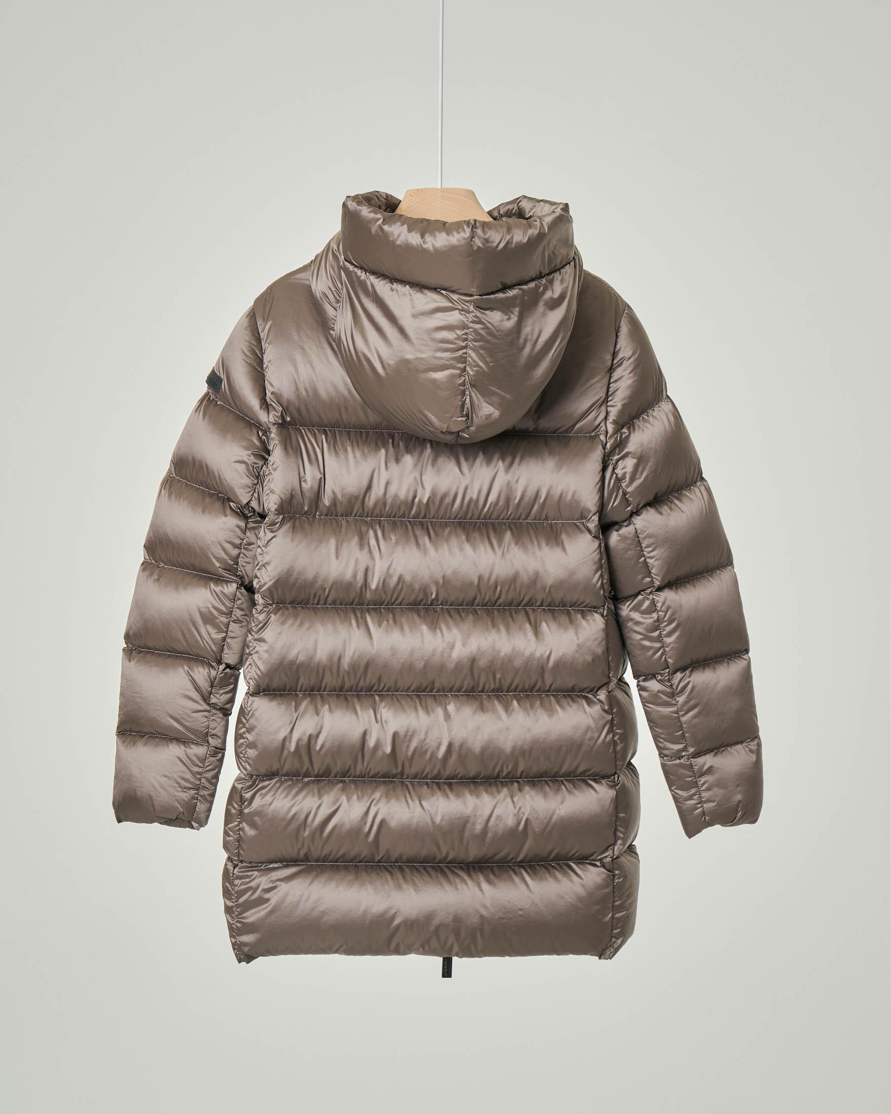 Composizione Del Colore Tortora cappotto color tortora in nylon trapuntato imbottito in