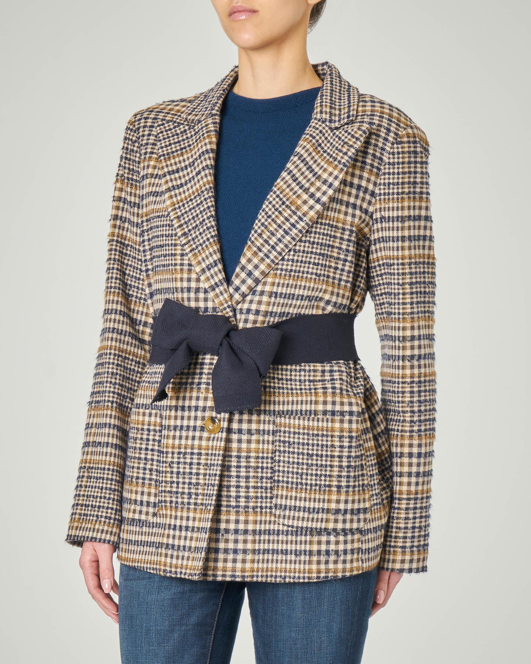 Blazer in misto lana a fantasia check cammello e blu con cintura in tessuto