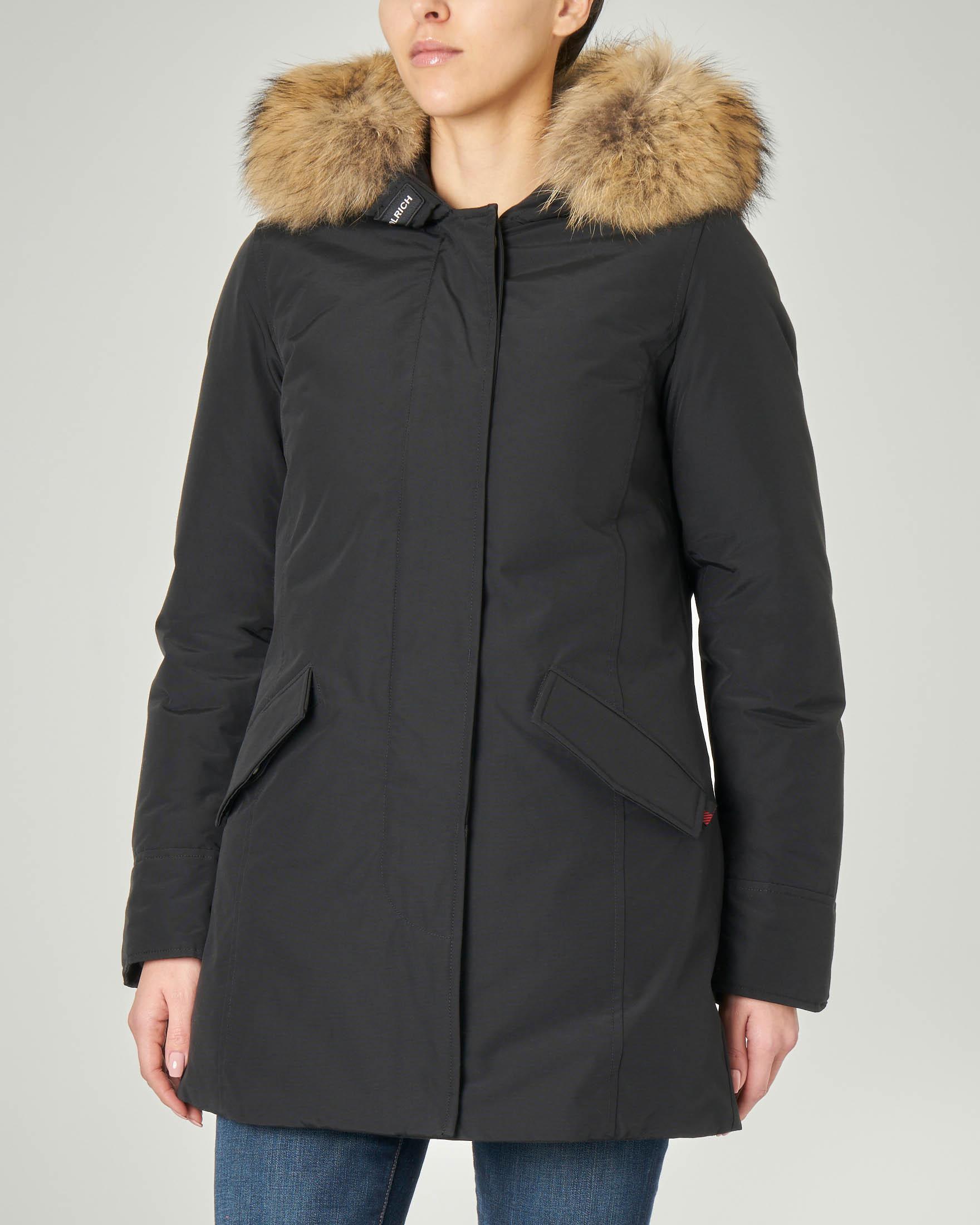 Arctic Parka nero con cappuccio e rifinitura in pelliccia staccabile