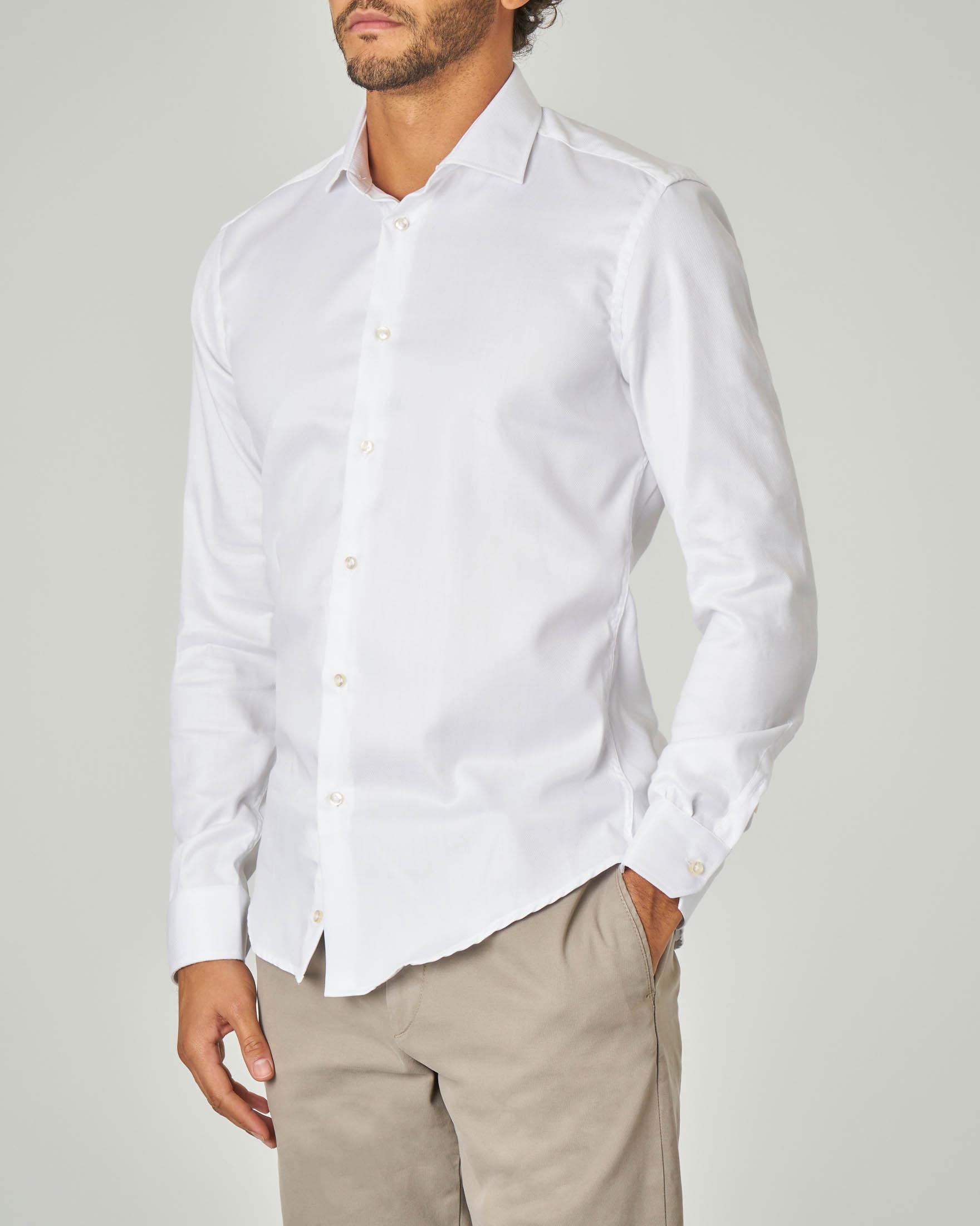 Camicia bianca micro-armatura con collo alla francese