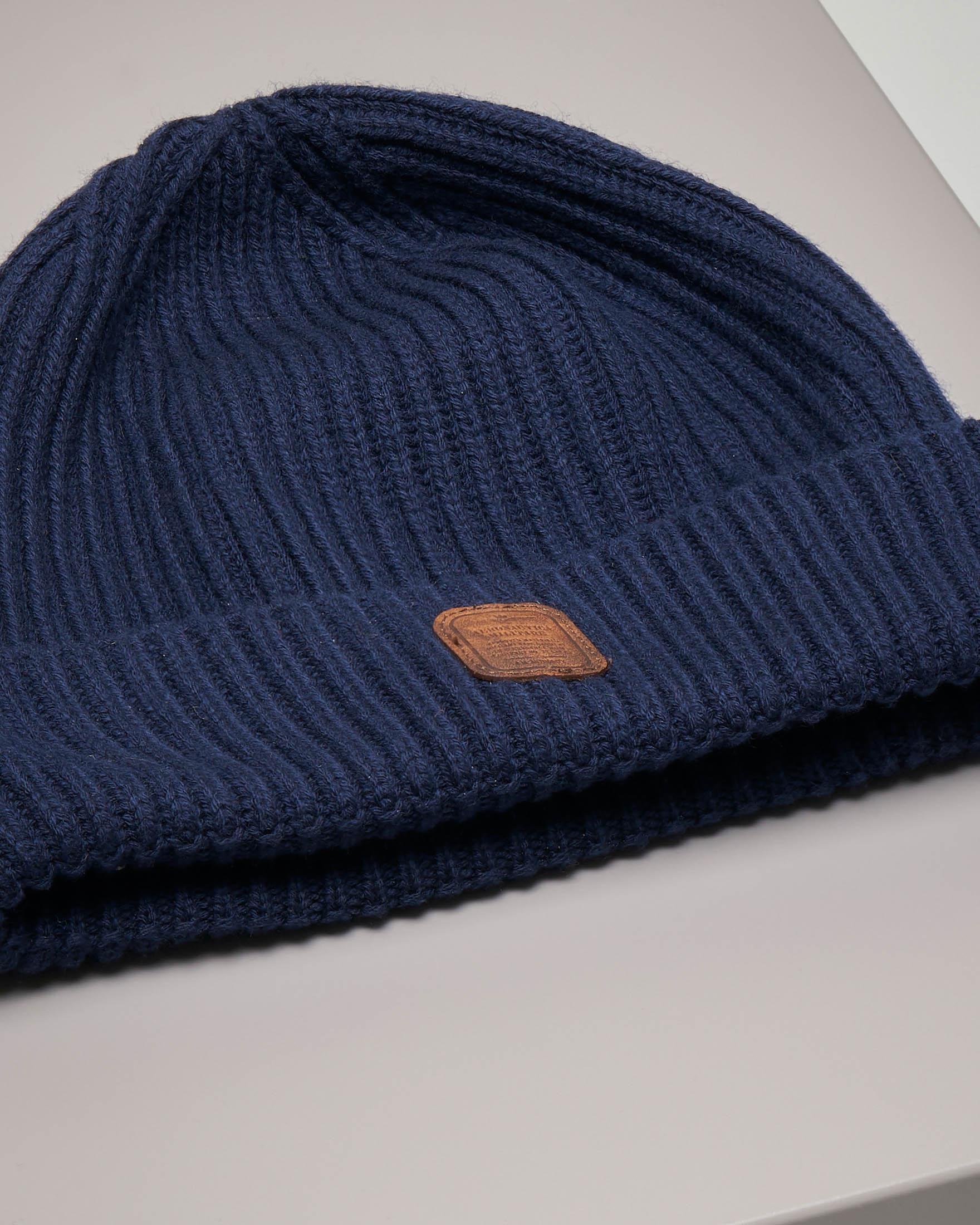 Berretto blu in misto lana e cotone con logo in pelle