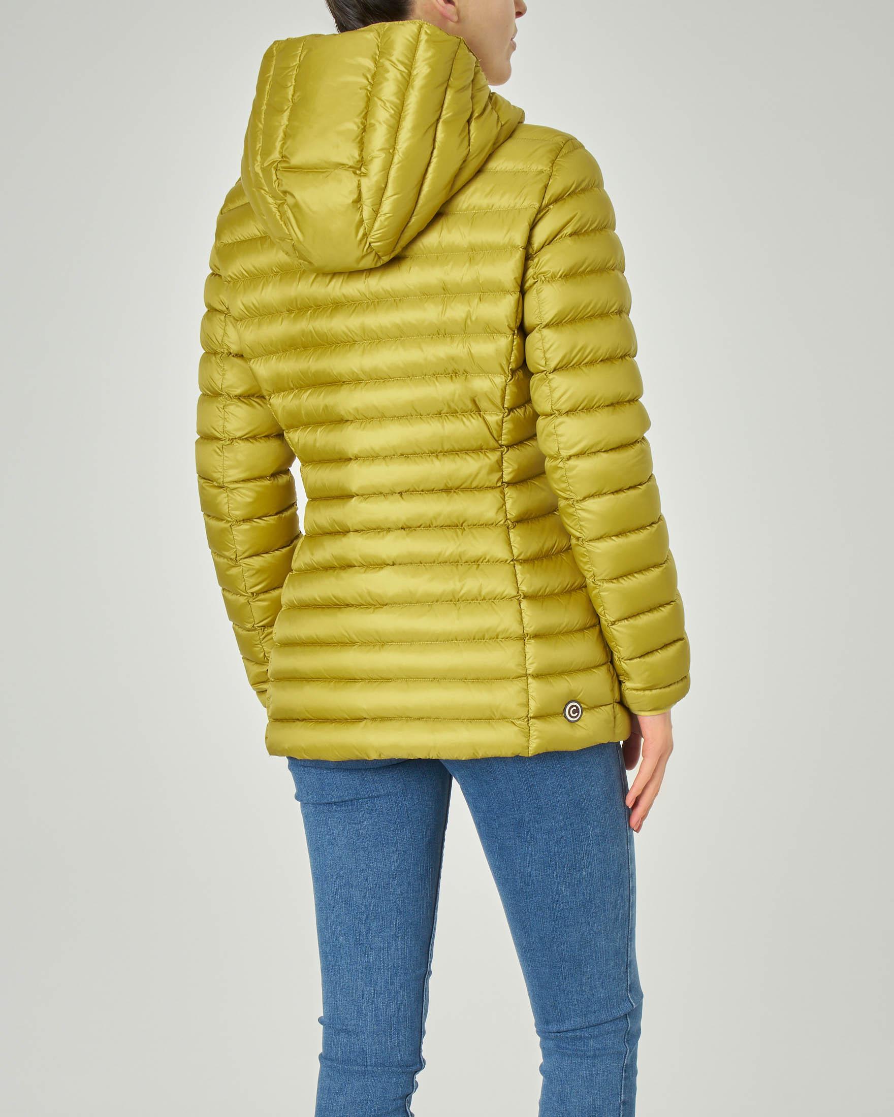 Piumino lunghezza media con cappuccio fisso in tessuto cangiante giallo