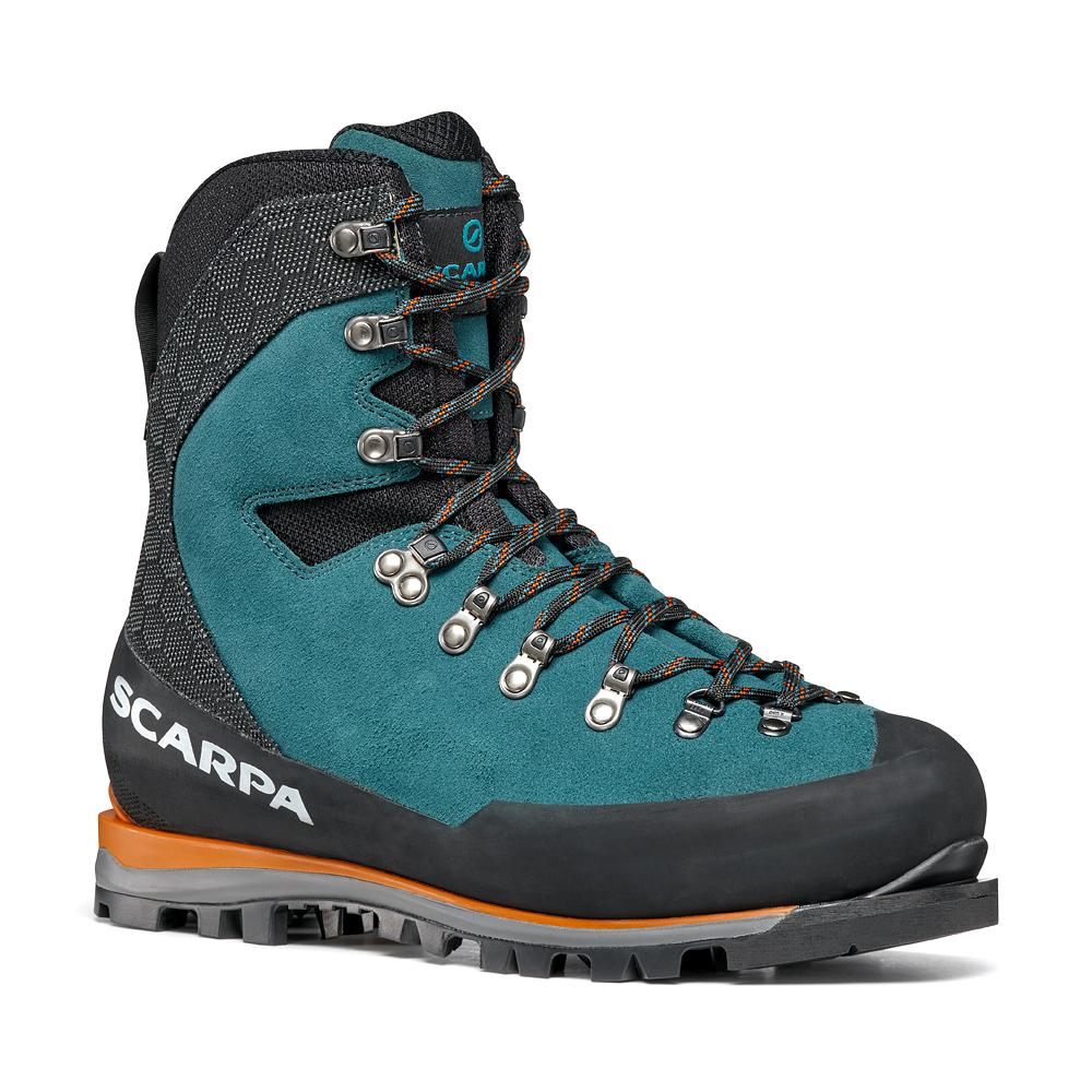 MONT BLANC GTX   -   Classic mountaineering in winter conditions   -   Lake Blue