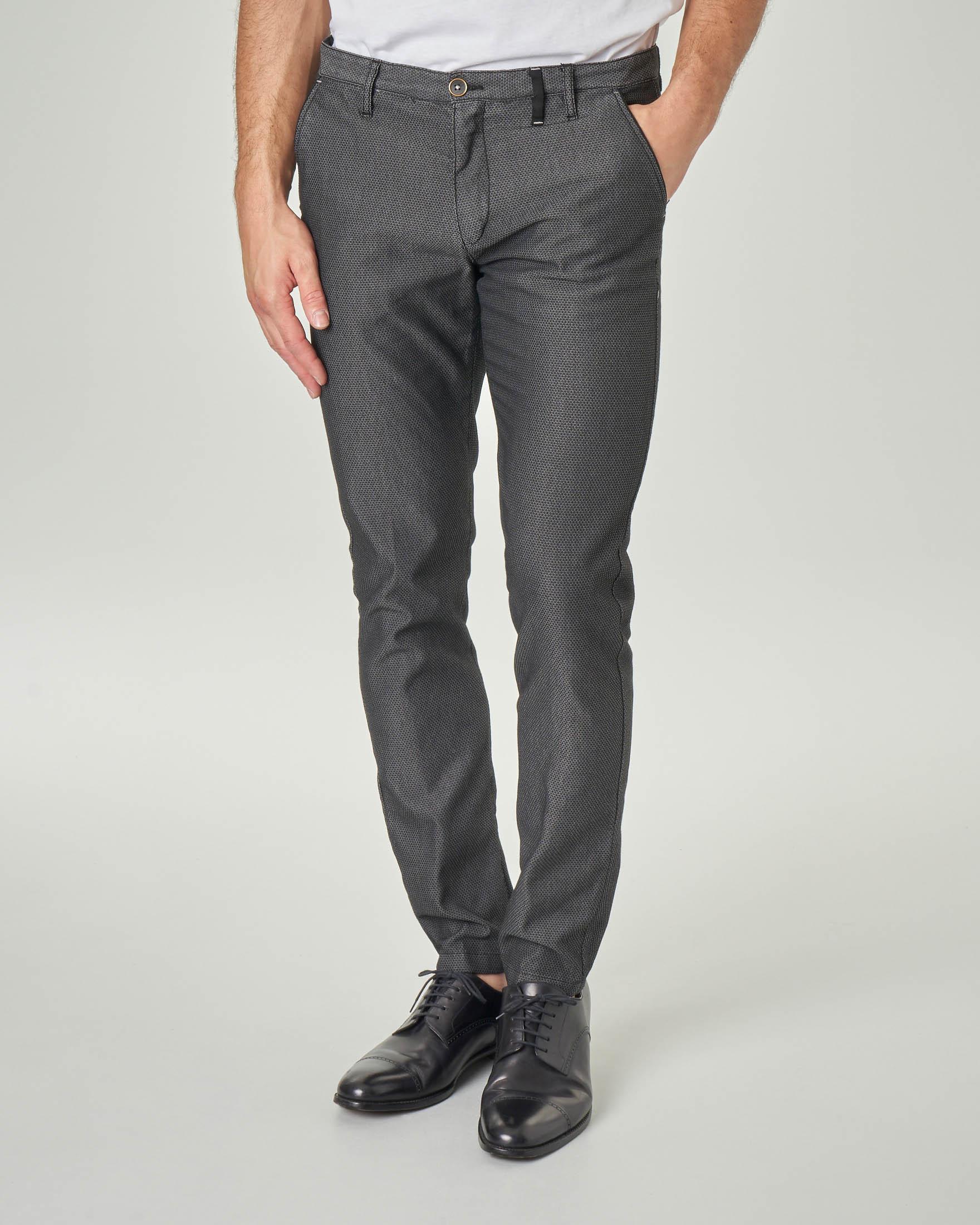 Pantalone chino nero in cotone stretch micro fantasia