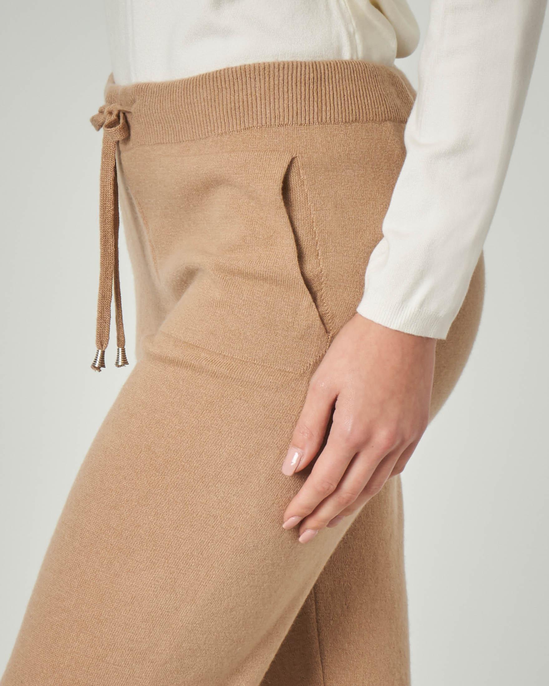Joggers color cammello in lana misto viscosa fascia elastica alta in vita