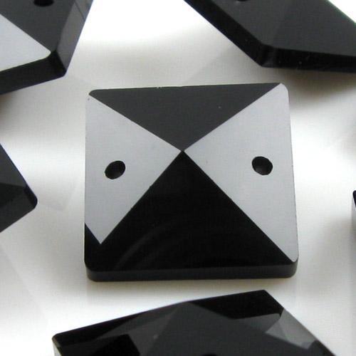 Quadruccio 18 mm nero lucido cristallo vetro sfaccettato 2 fori