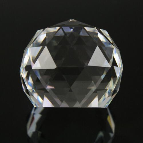 Sfera sfaccettata scalottata in cristallo molato colore puro Ø40 mm