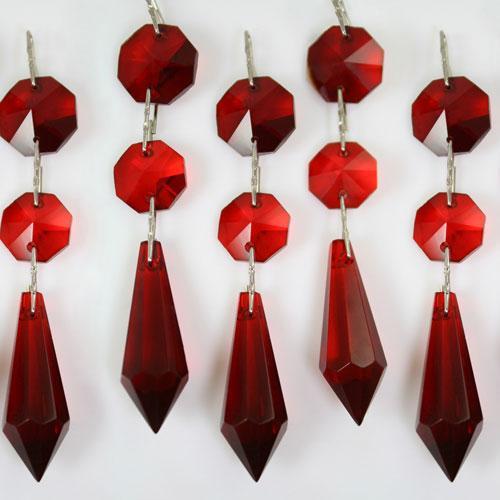 Strenna decorativa con ottagoni e prisma pendente in vetro molato color rosso.