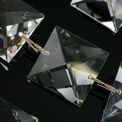 Catena quadrucci 26 mm cristallo Asfour, lunga 50 cm, clip nickel.