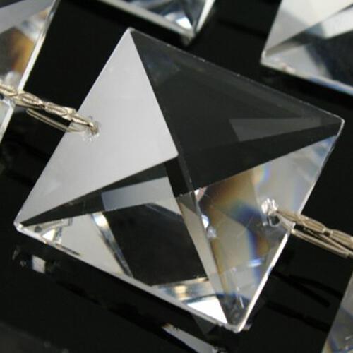 Catena quadrucci 28 mm cristallo Asfour, lunga 50 cm, clip nickel.
