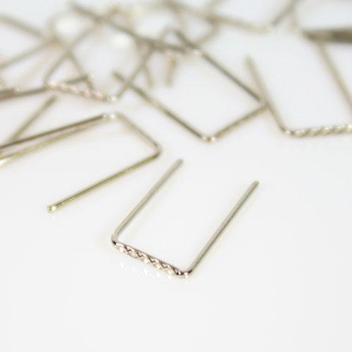 Clip 6 mm passo ridotto finitura nickel per catene di cristalli fitte.