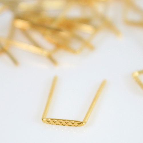 Clip 6 mm passo ridotto finitura oro per catene di cristalli fitte.