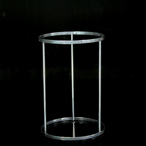 Montatura verniciata cromo per portacandela con cristalli, rigetta da 6 mm passo 18 mm con 21 fori per catene. Ø 12x h. 18 cm