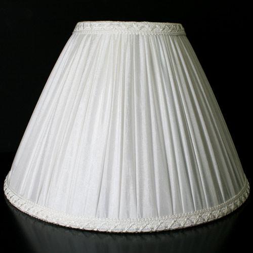 Paralume 40x16xh26 cm tronco cono con tessuto bianco stropicciato e passamaneria bianca. Attacco E27.