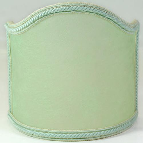Paralume ventola pergamena color verde con bordura verde.