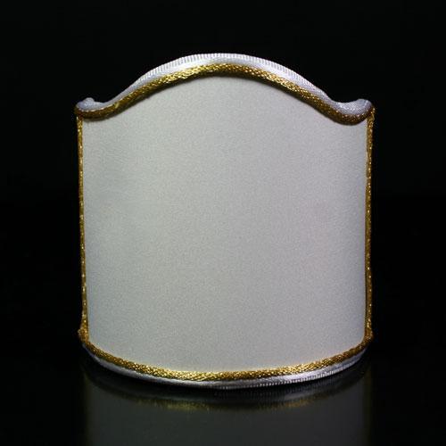 Paralume ventola tessuto ponge' color avorio con doppia bordura bianca e oro.