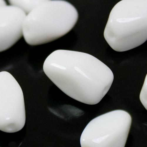 Perla poliedro in pasta di vetro bianca, 10 mm