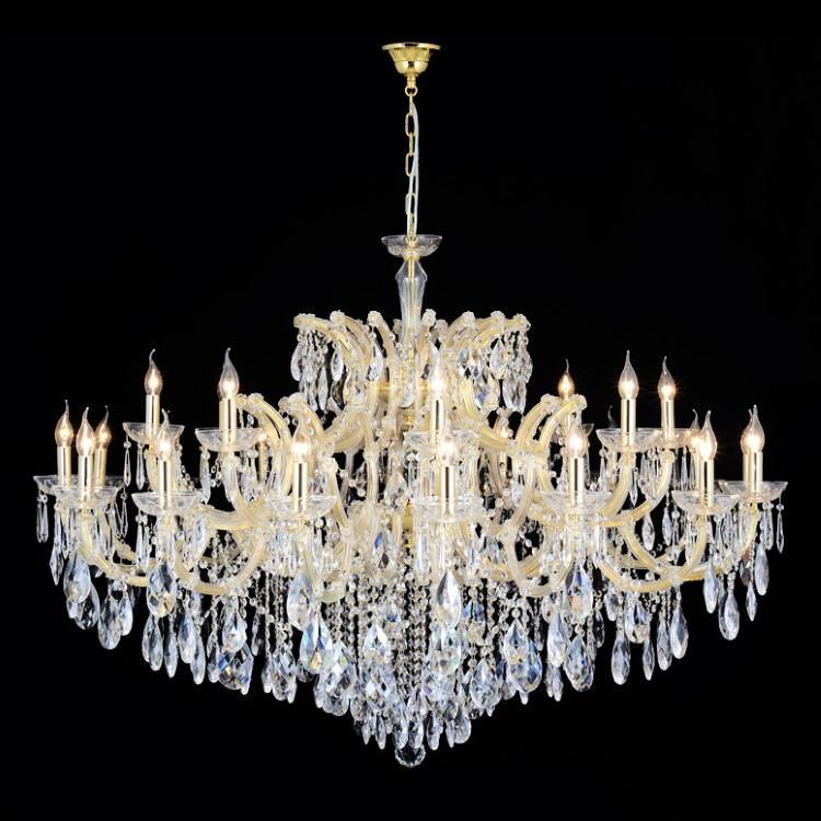 Grande lampadario 25 luci in cristallo stile Maria Teresa con pendagli