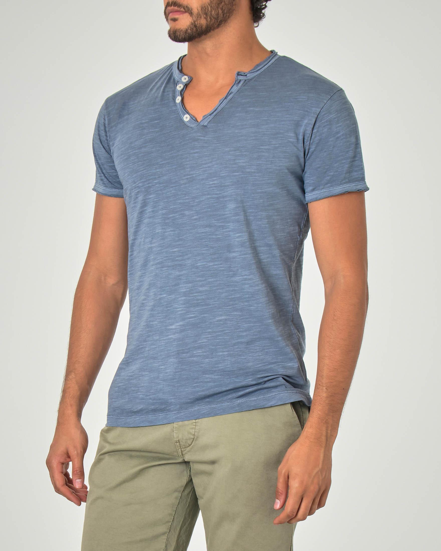 T-shirt serafino blu avio in tessuto slub