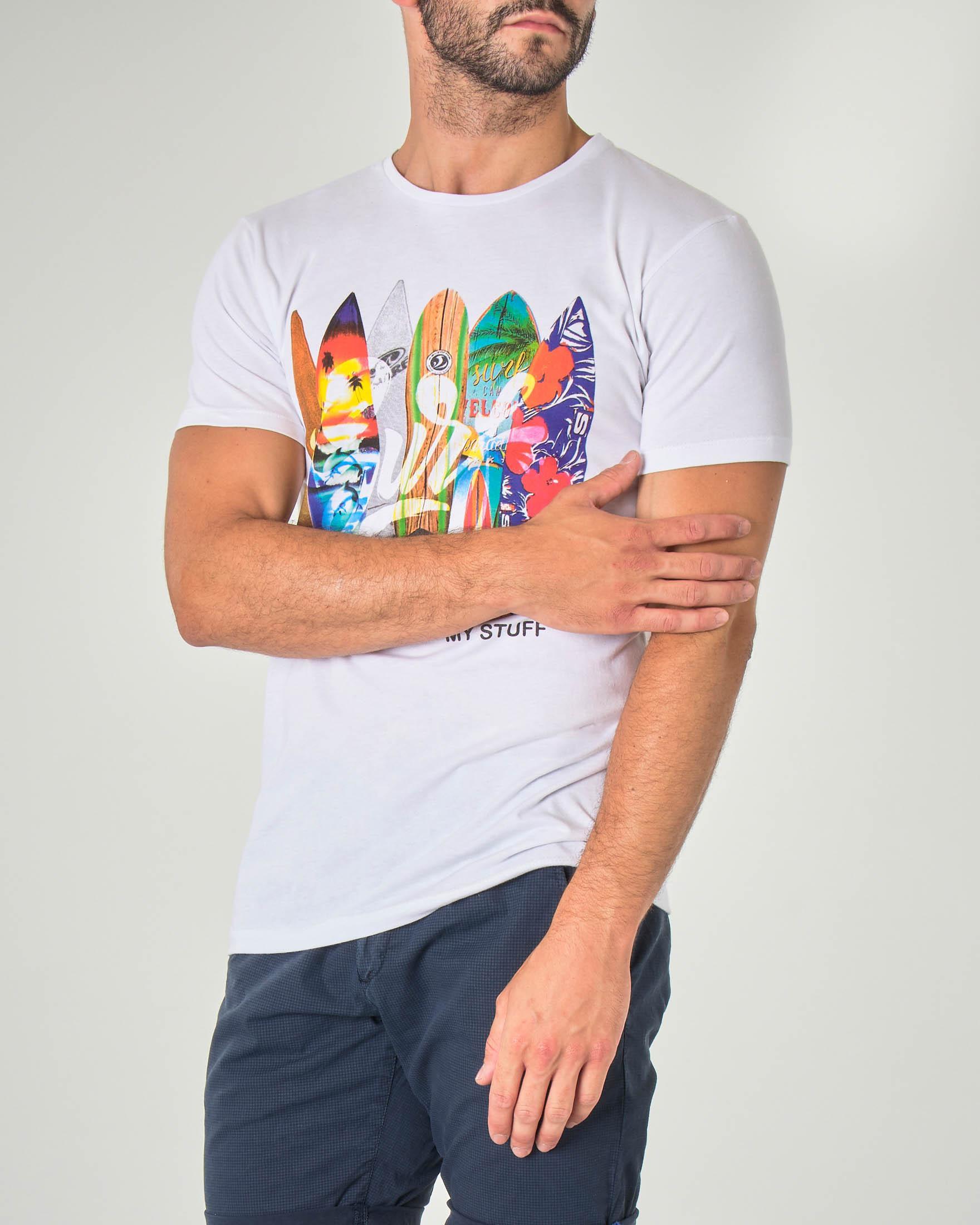 T-shirt bianca mezza manica con stampa surf fantasia
