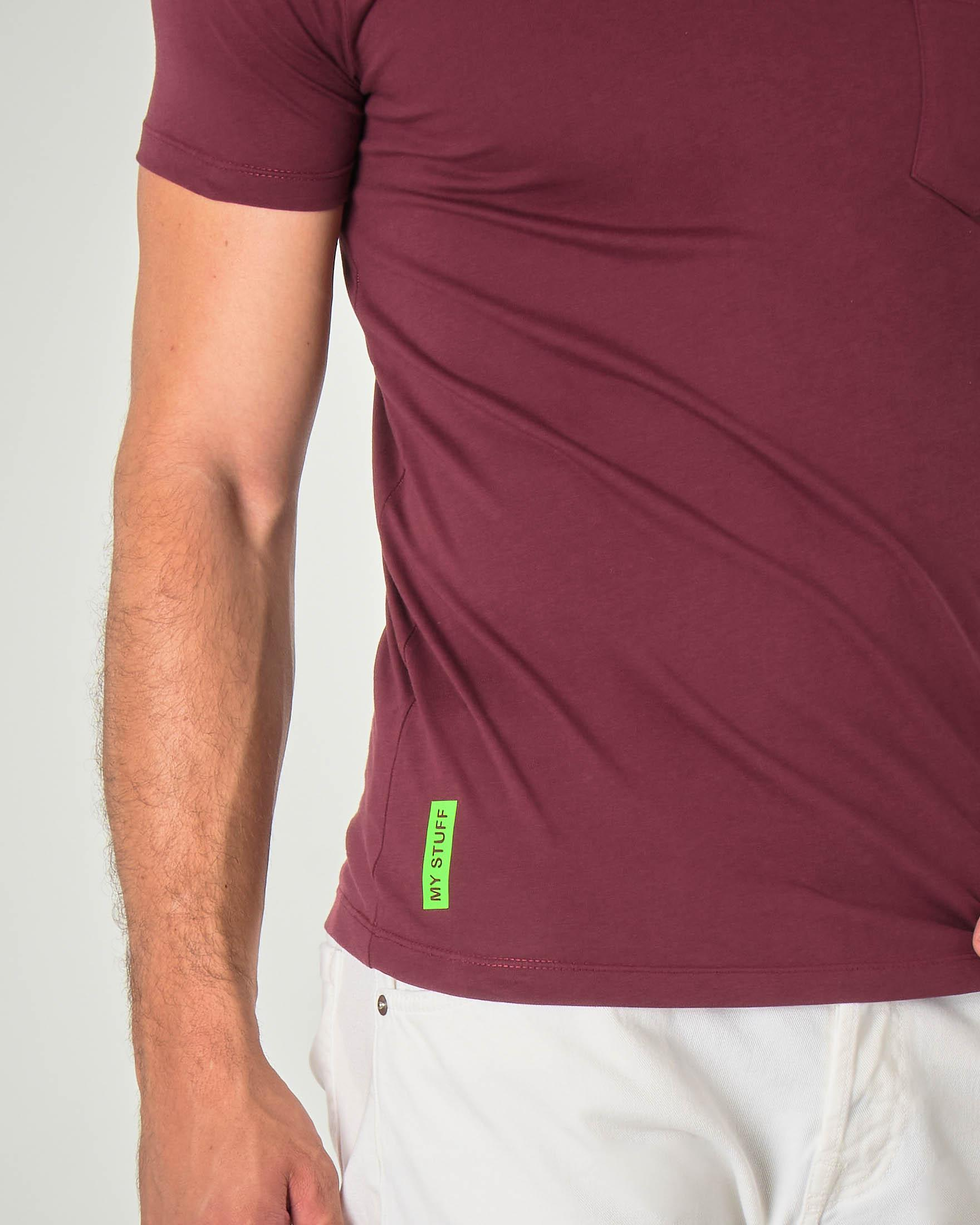 T-shirt bordeaux mezza manica con taschino